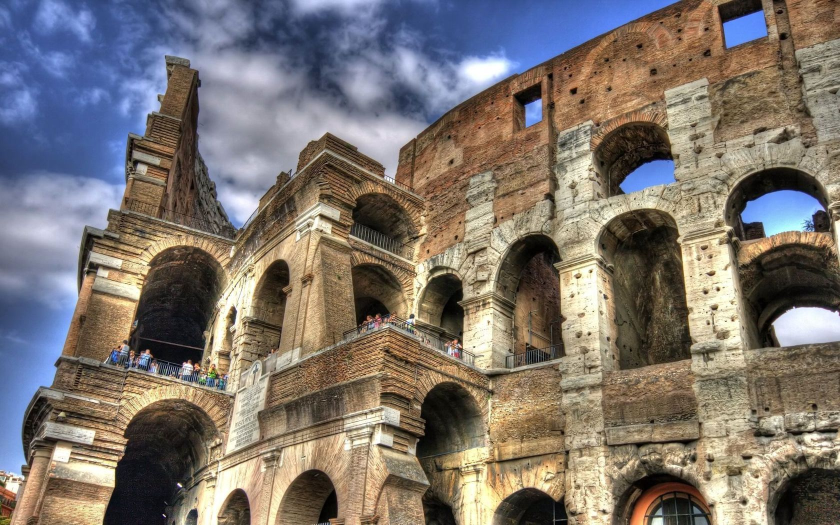 105078 download wallpaper Italy, People, Sky, Cities, Colosseum screensavers and pictures for free