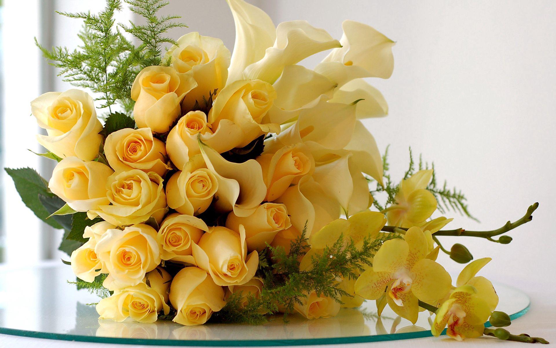 113238 télécharger le fond d'écran Fleurs, Lilies, Bouquet, Branches, Verre, Beauté, Roses - économiseurs d'écran et images gratuitement