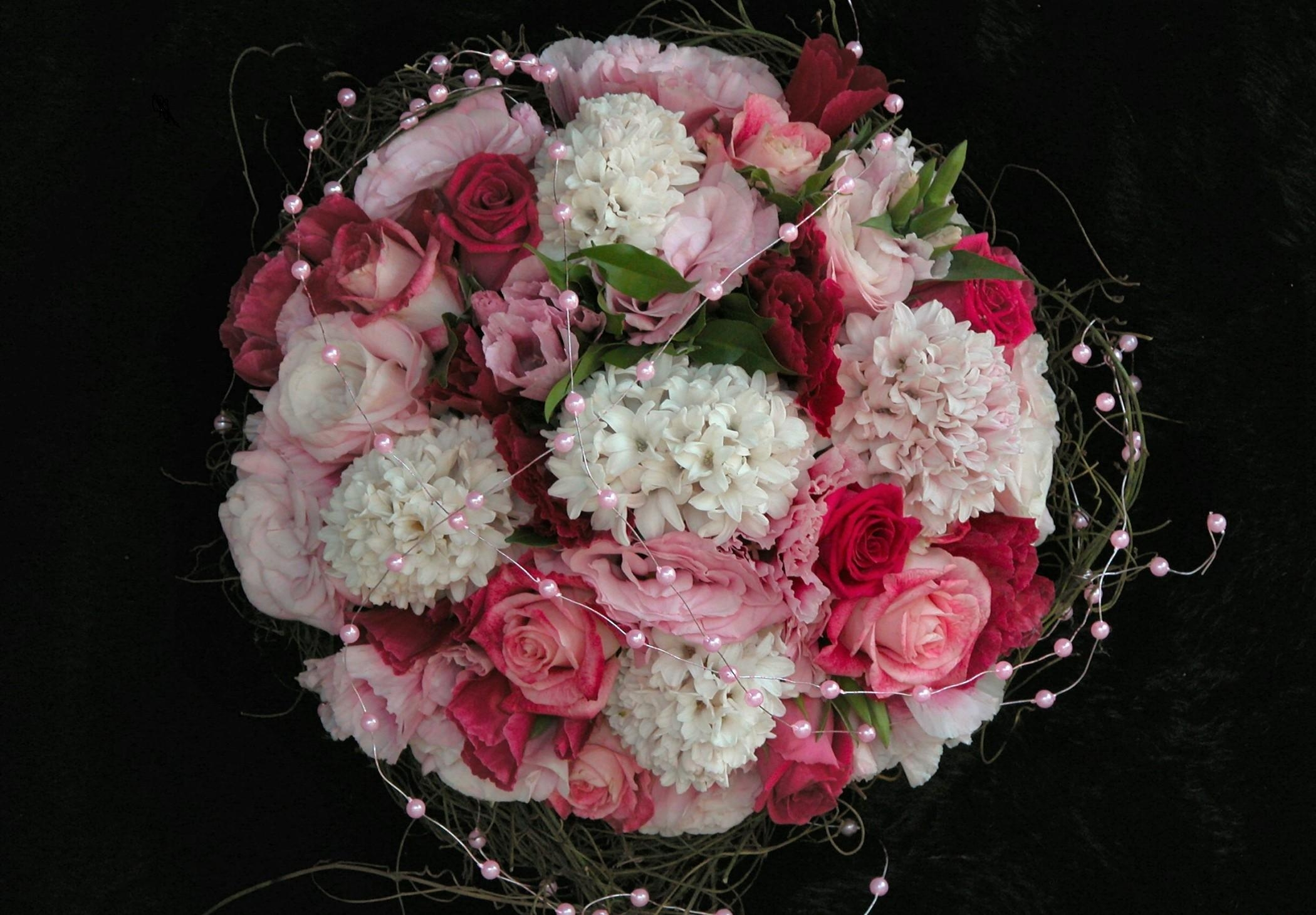 142913 download wallpaper Flowers, Bouquet, Composition, Beads, Black Background, Registration, Typography, Roses screensavers and pictures for free