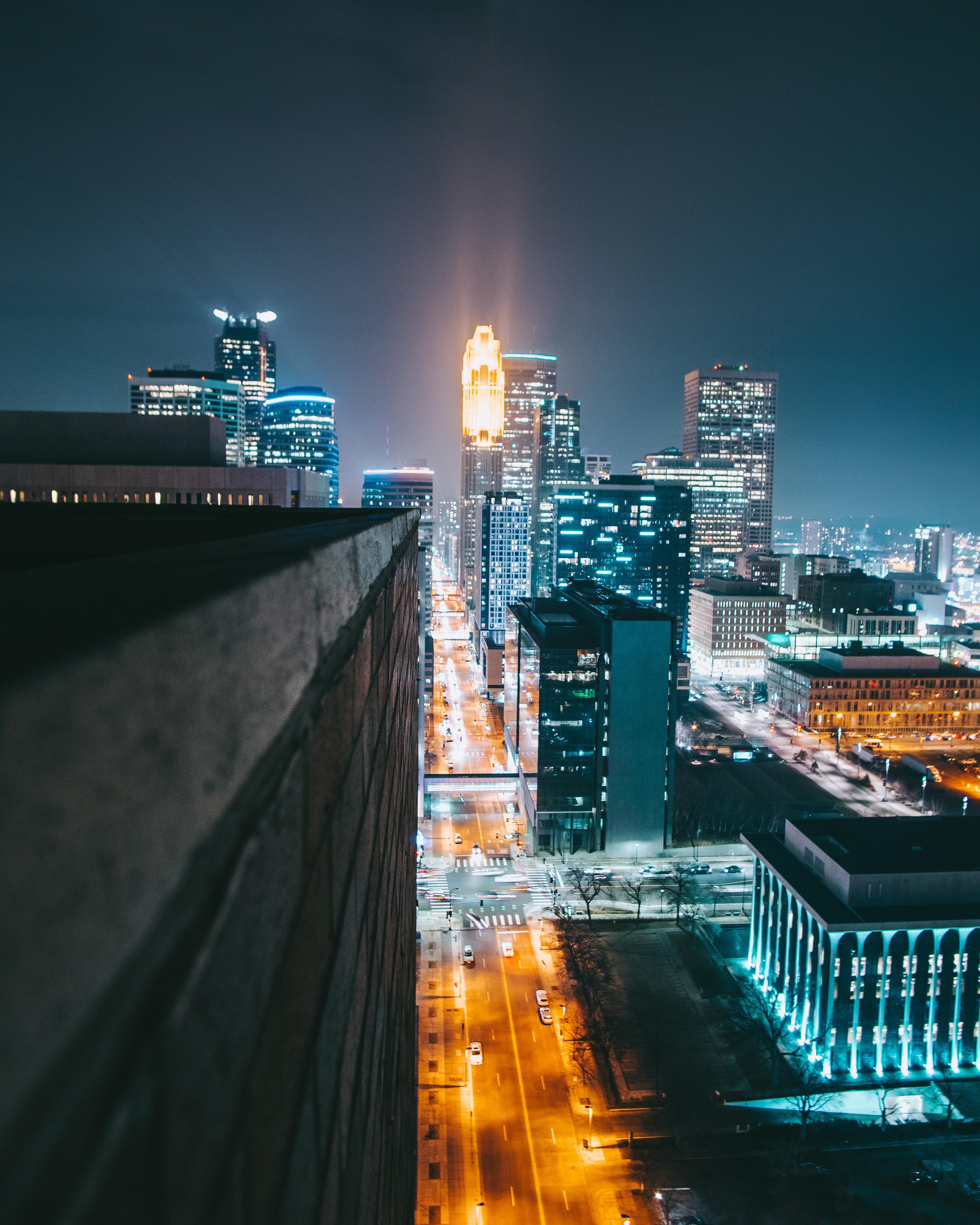 132061 скачать обои Город, Ночь, Освещение, Улица, Здания, Городской, Архитектура, Города - заставки и картинки бесплатно