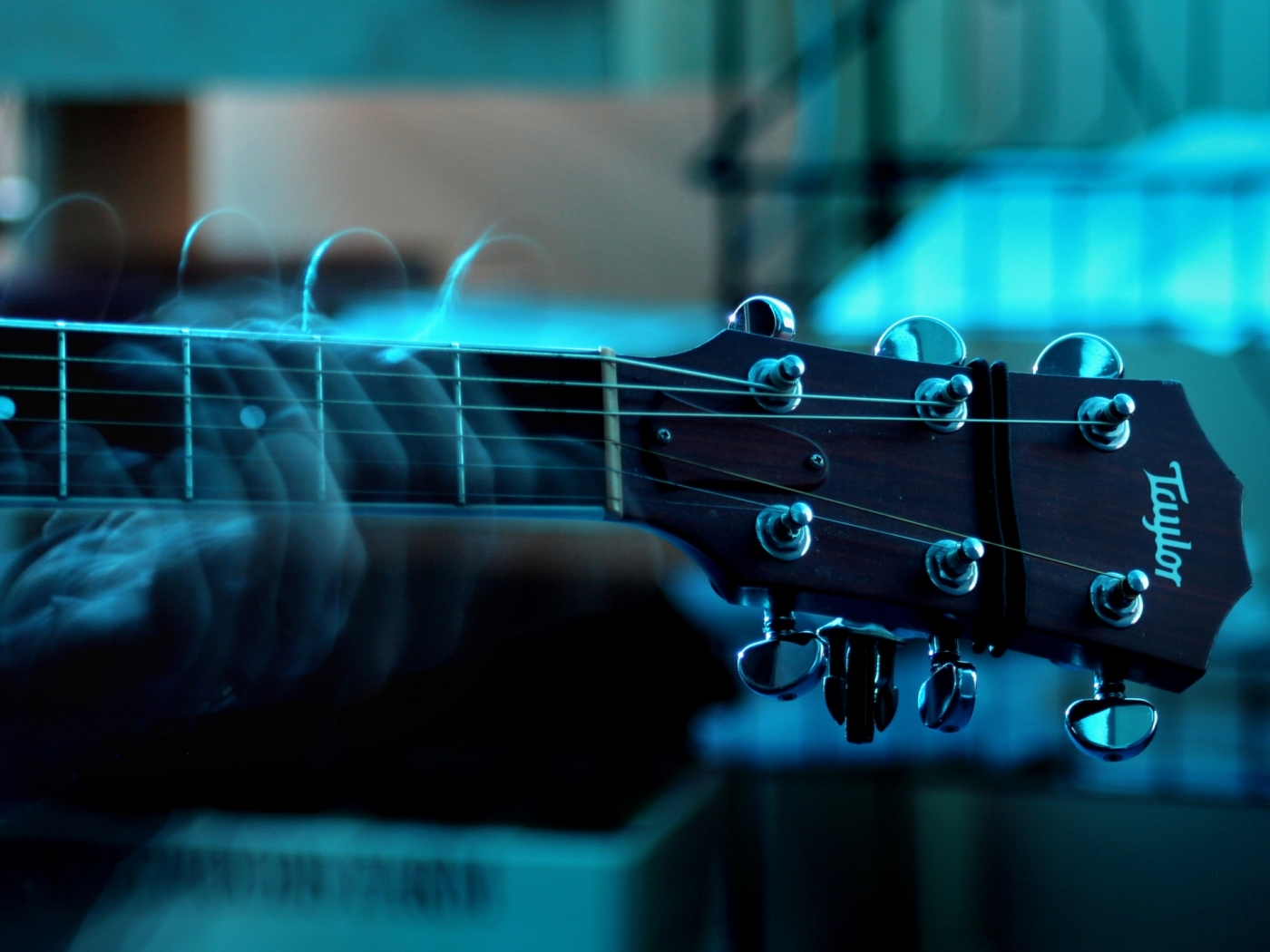 43911 download wallpaper Music, Guitars, Objects screensavers and pictures for free