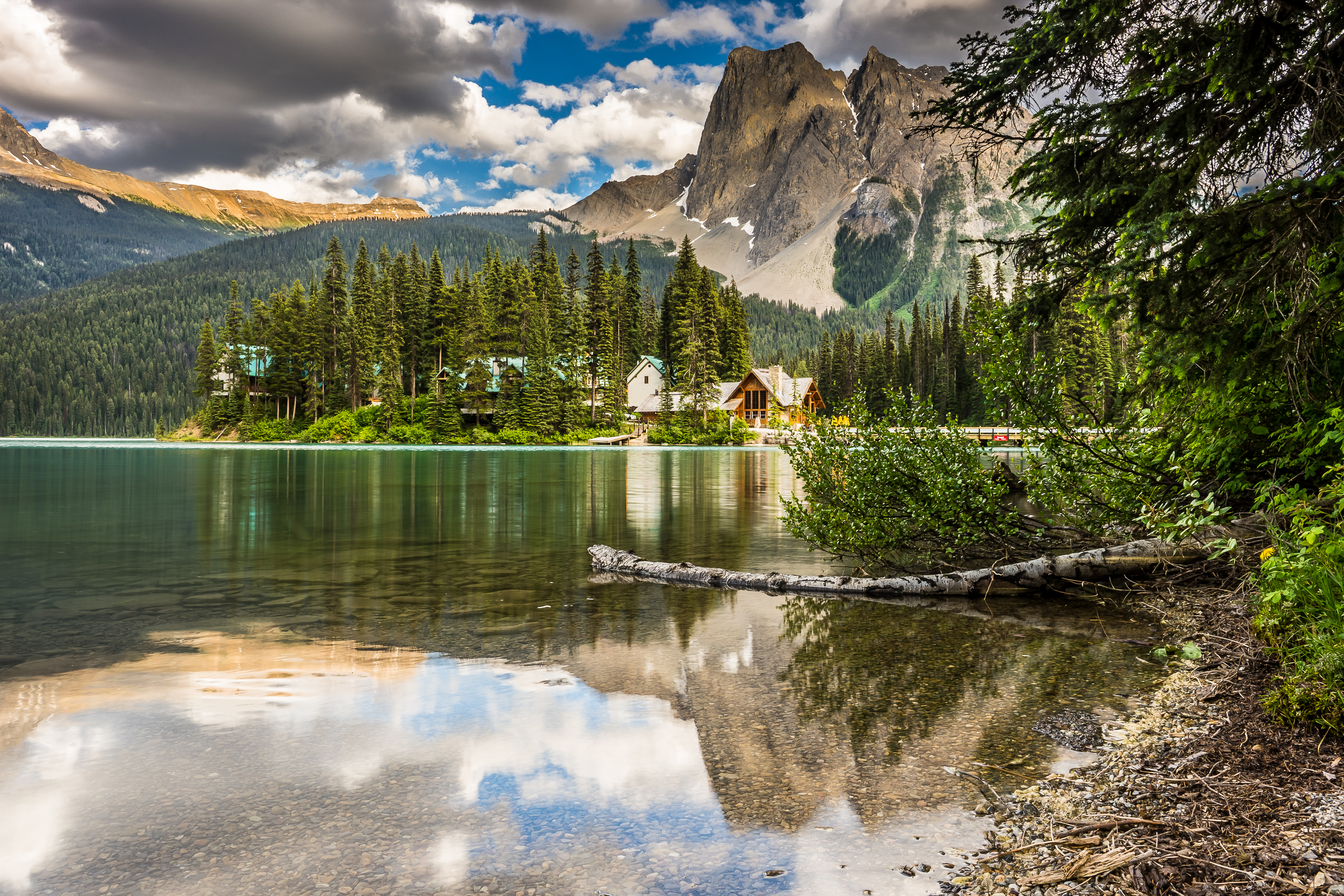 155568 Screensavers and Wallpapers Houses for phone. Download Lake, Houses, Shore, Bank, Nature, Mountains pictures for free