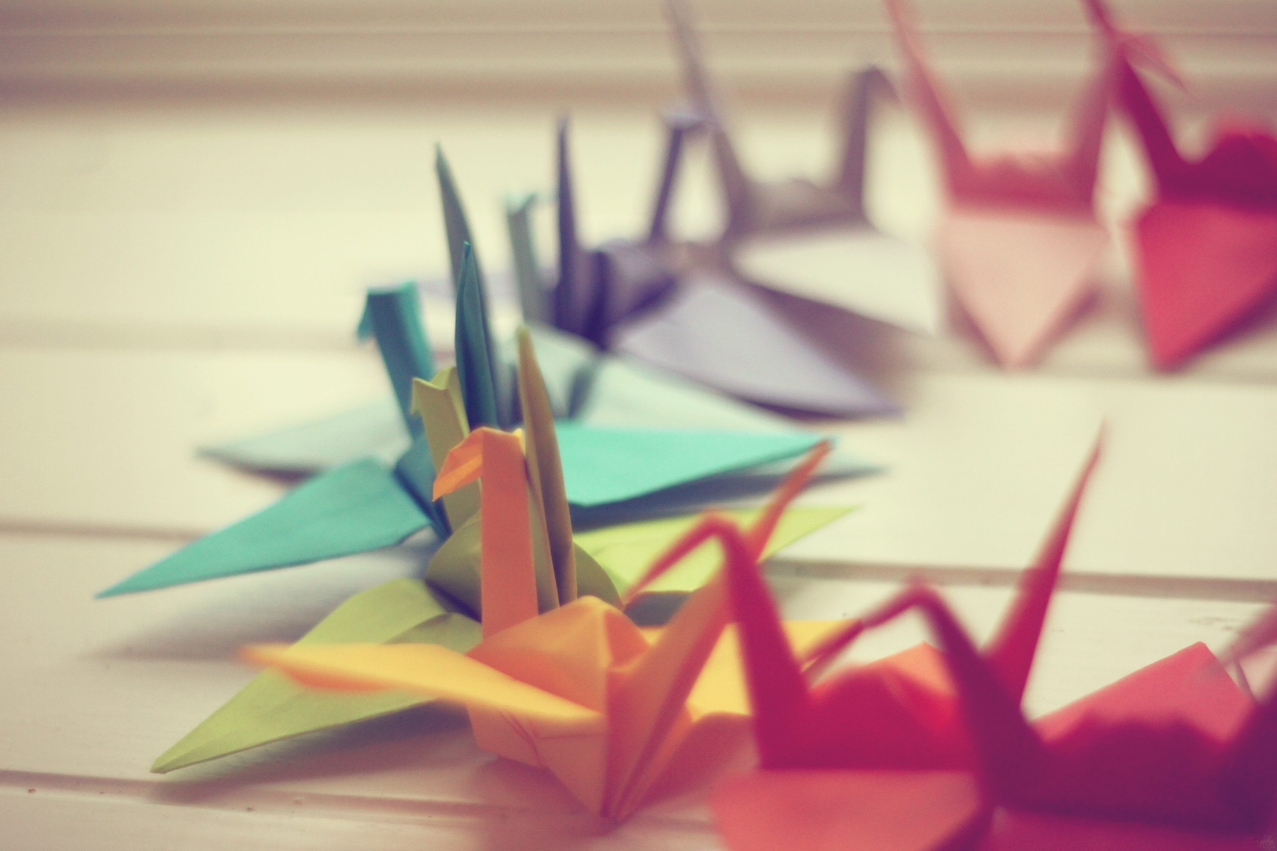 77057 Screensavers and Wallpapers Photo for phone. Download Miscellanea, Miscellaneous, Paper, Cranes, Macro, Origami, Background, Photo pictures for free