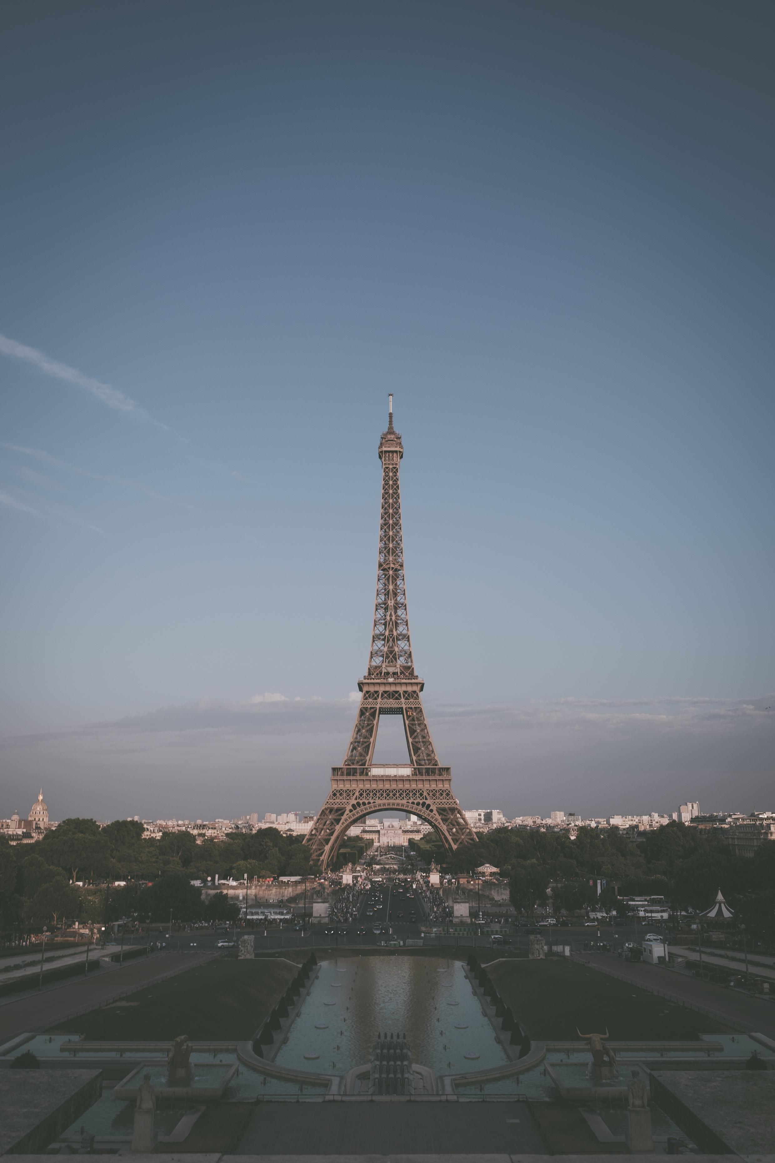 131759 télécharger le fond d'écran Paris, Ville, Imeuble, Bâtiment, L'architecture, Villes, Tour Eiffel - économiseurs d'écran et images gratuitement