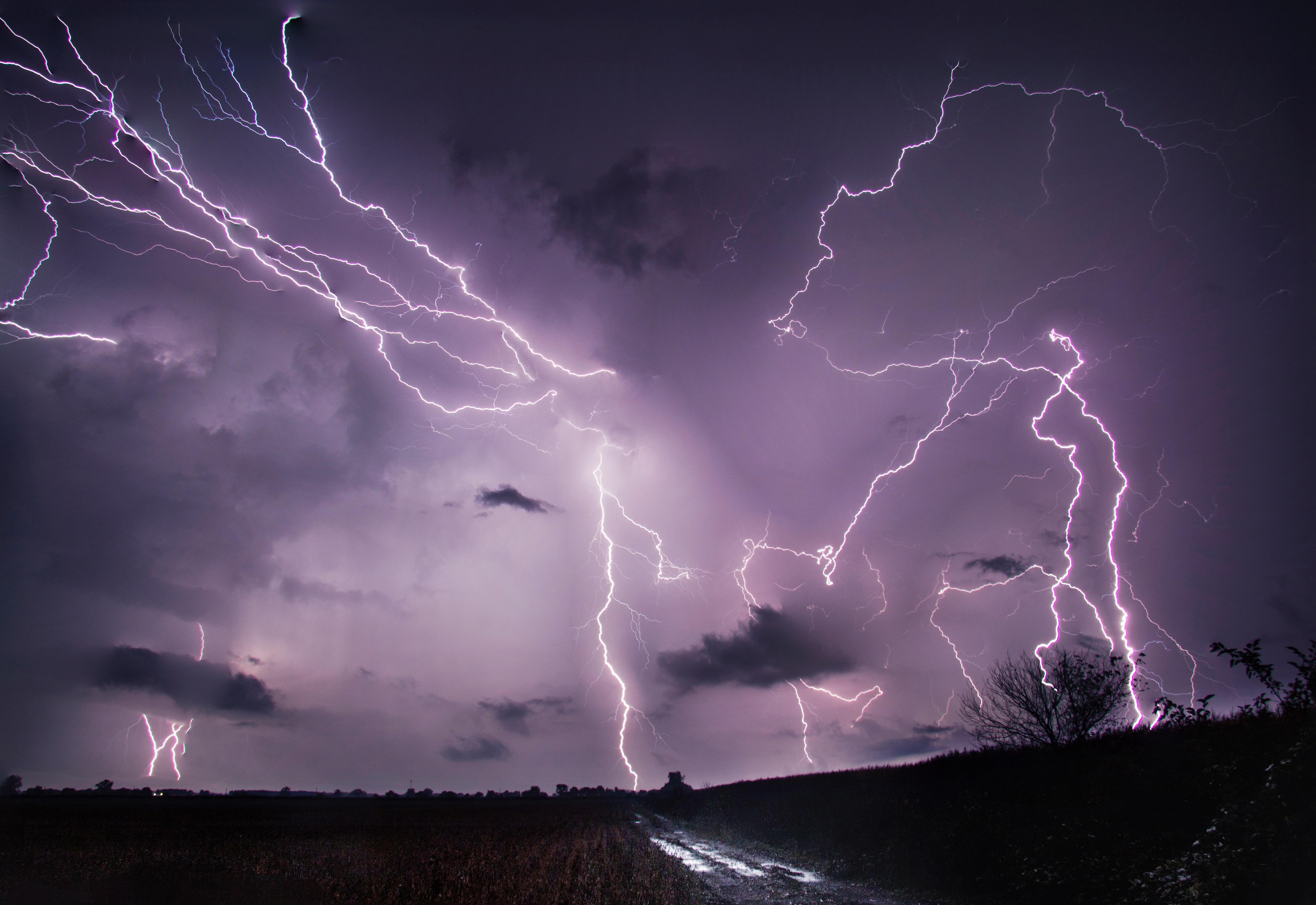 59482 Заставки и Обои Молния на телефон. Скачать Природа, Дорога, Поле, Молния, Гроза картинки бесплатно