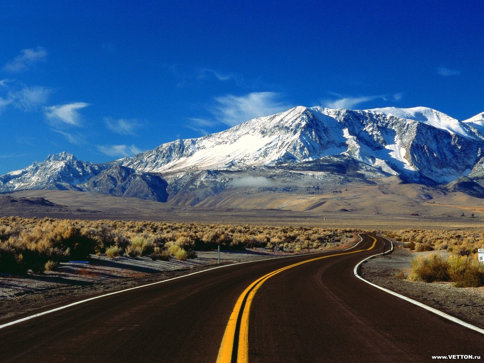 5659 download wallpaper Landscape, Roads, Mountains screensavers and pictures for free