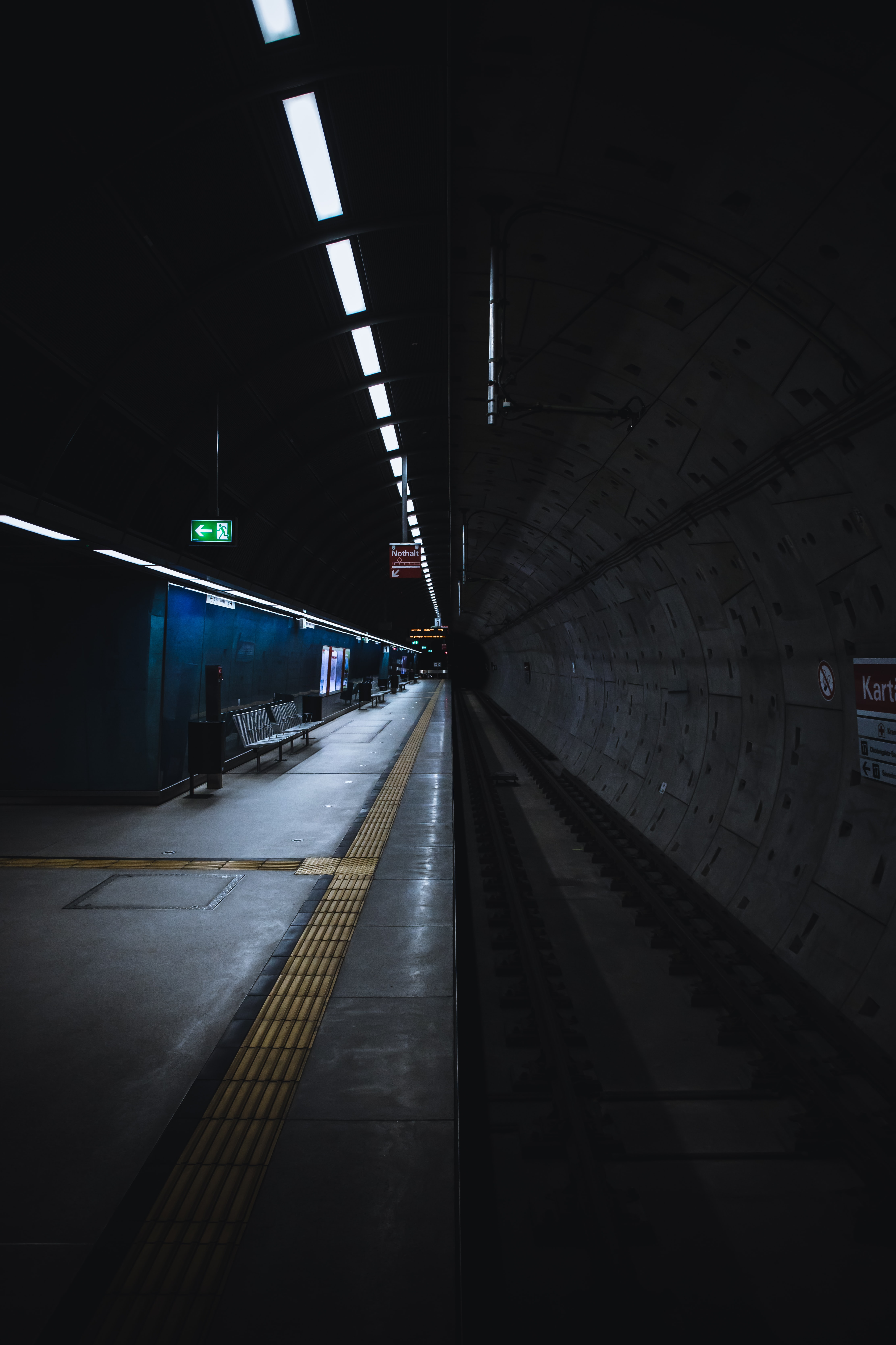 115291 Screensavers and Wallpapers Metro for phone. Download Miscellanea, Miscellaneous, Platform, Dahl, Distance, Tunnel, Metro, Subway pictures for free