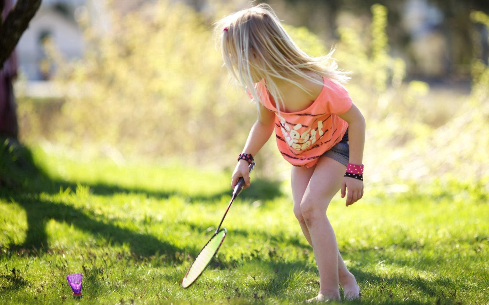 56372 скачать обои Разное, Ребенок, Девочка, Бадминтон, Ракетка - заставки и картинки бесплатно