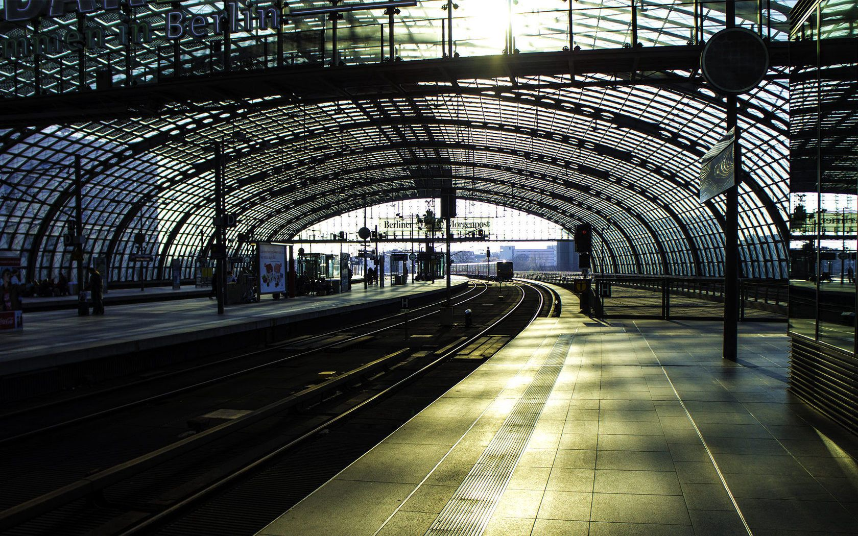 117108 download wallpaper Cities, Trains, Metro, Subway, Station, Rails screensavers and pictures for free