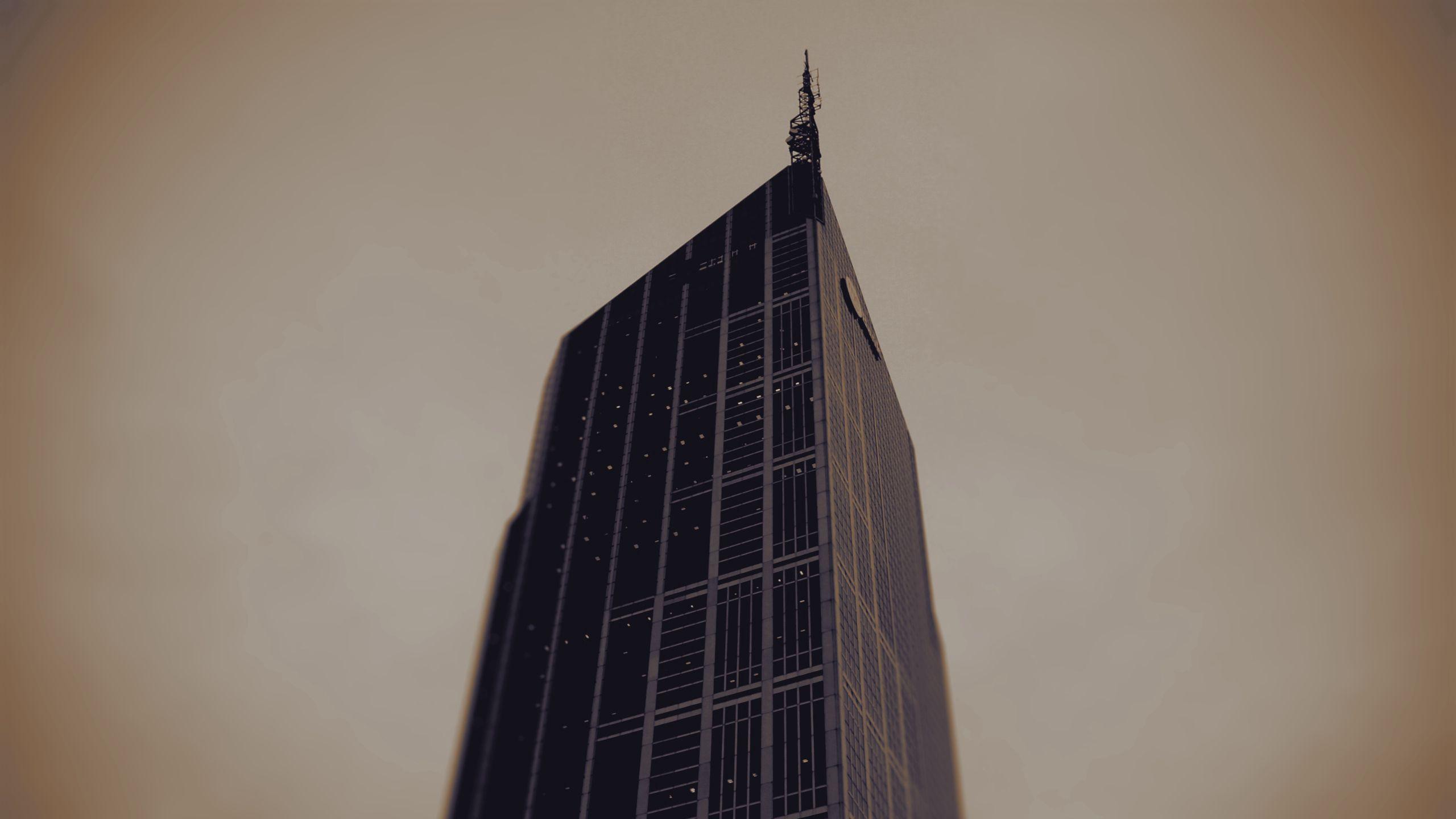 150642 скачать обои Минимализм, Здание, Крыша, Свет, Небо, Небоскреб - заставки и картинки бесплатно