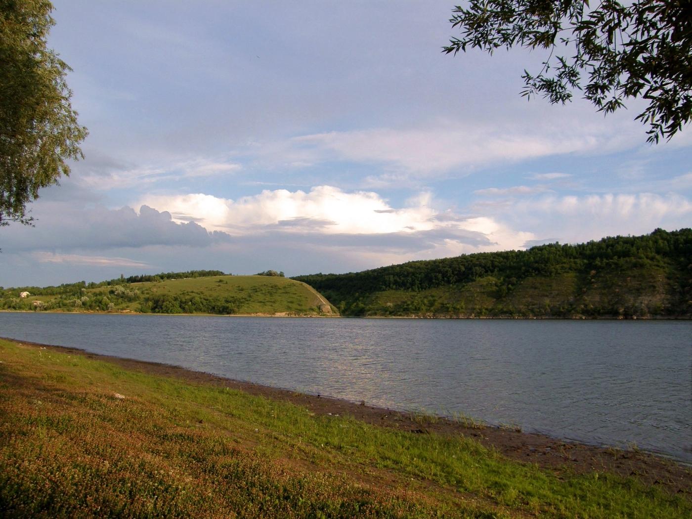 25137 скачать обои Пейзаж, Река, Трава, Облака - заставки и картинки бесплатно