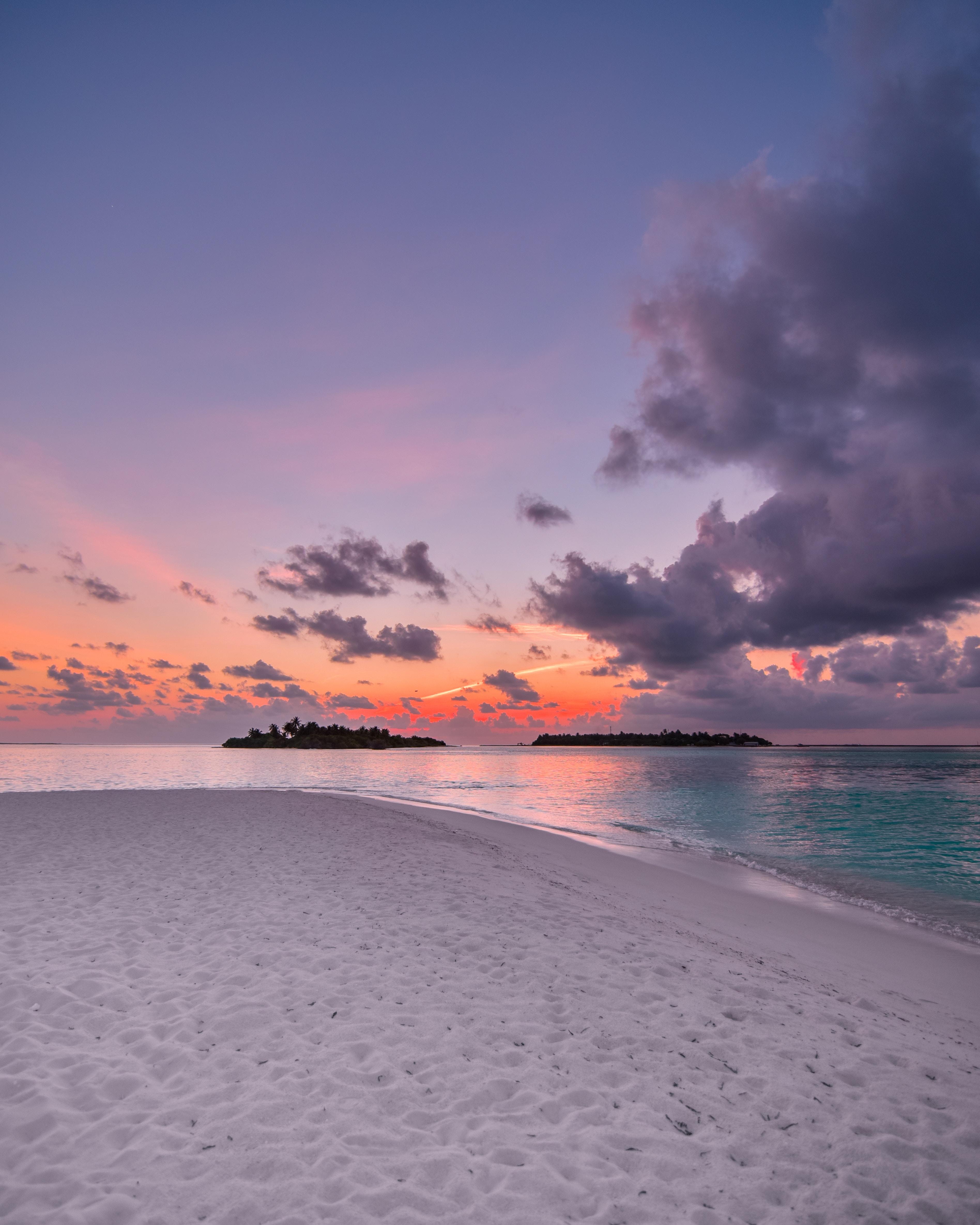 76108 Hintergrundbild herunterladen Natur, Sunset, Sky, Strand, Sand, Horizont, Ozean - Bildschirmschoner und Bilder kostenlos