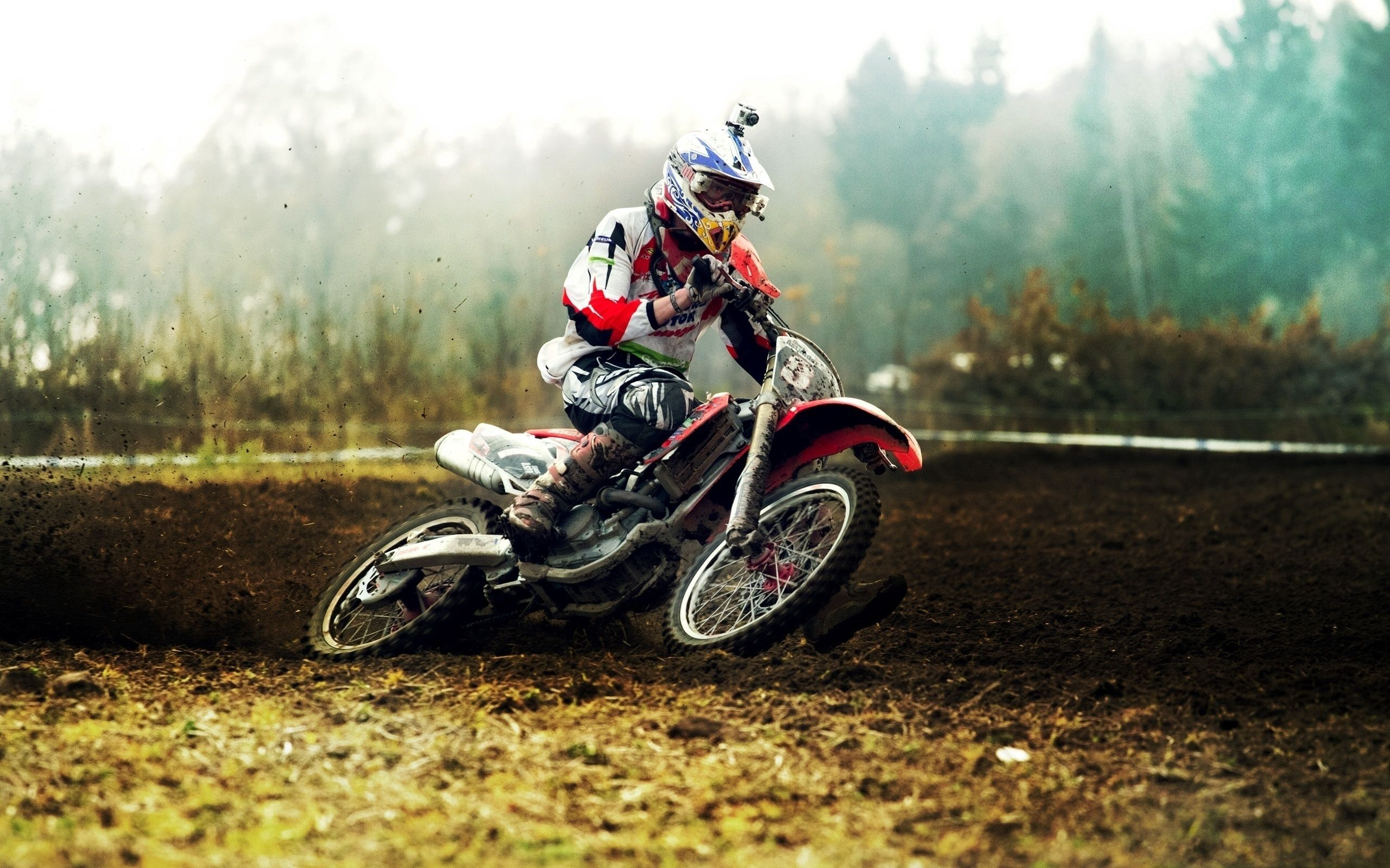 76811 download wallpaper Sports, Sand, Motocross, Mud, Dirt, Camera, Race screensavers and pictures for free