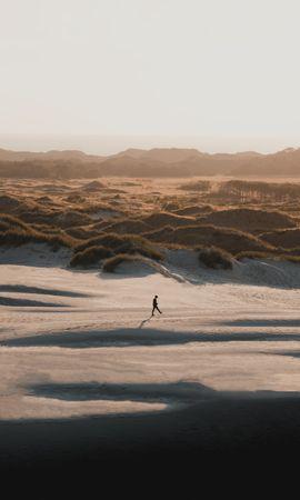 Скачать бесплатно картинку 151603: Разное, Человек, Одиночество, Холмы, Природа обои на телефон