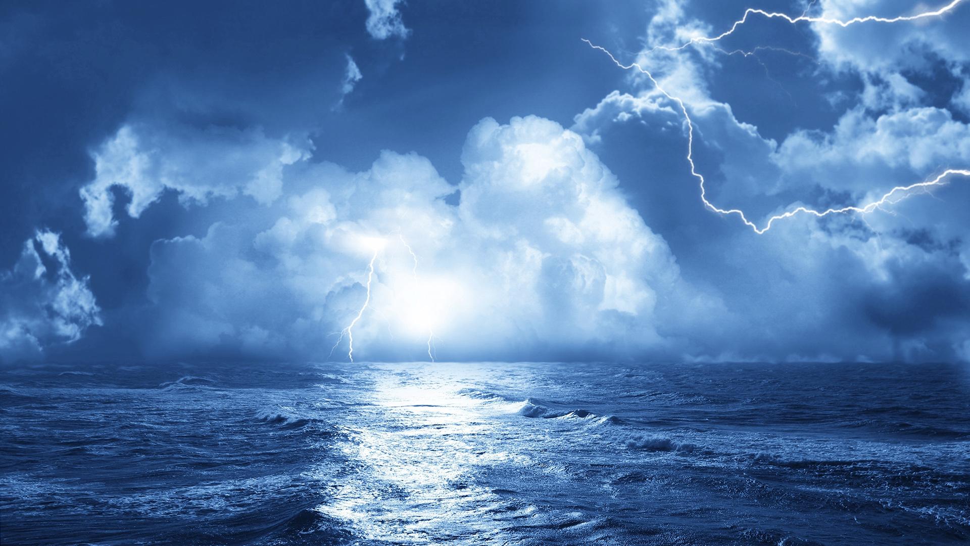 27050 скачать обои Пейзаж, Море, Облака, Волны, Молнии - заставки и картинки бесплатно