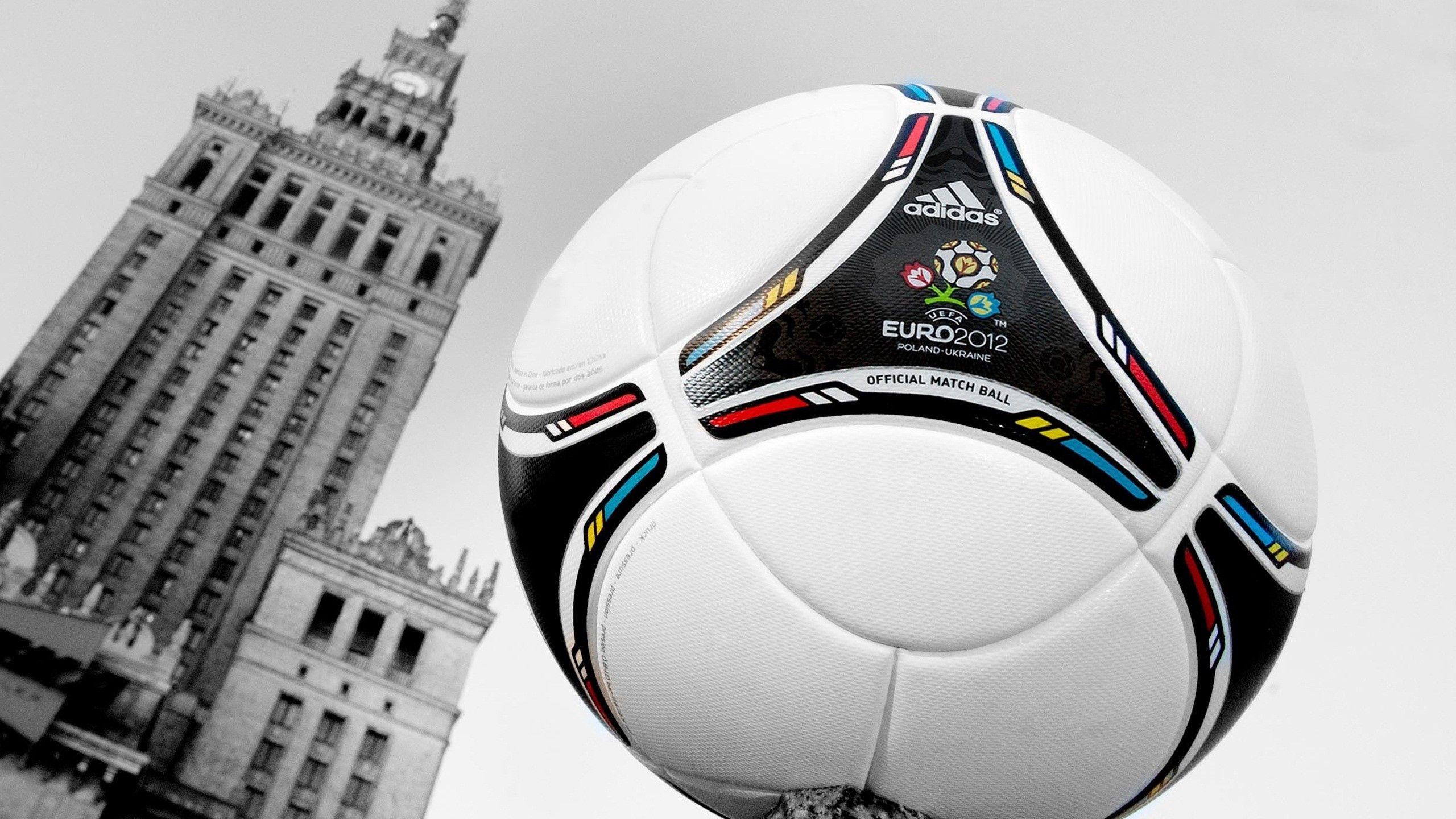 102493 скачать обои Спорт, Мяч, Футбол, Евро 2012, Чемпионат, Башня - заставки и картинки бесплатно