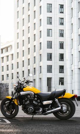 136961 télécharger le fond d'écran Moto, Yamaha, Bicyclette, Vélo, Motocyclette, Vue De Côté, Moteur, Imeuble, Bâtiment - économiseurs d'écran et images gratuitement