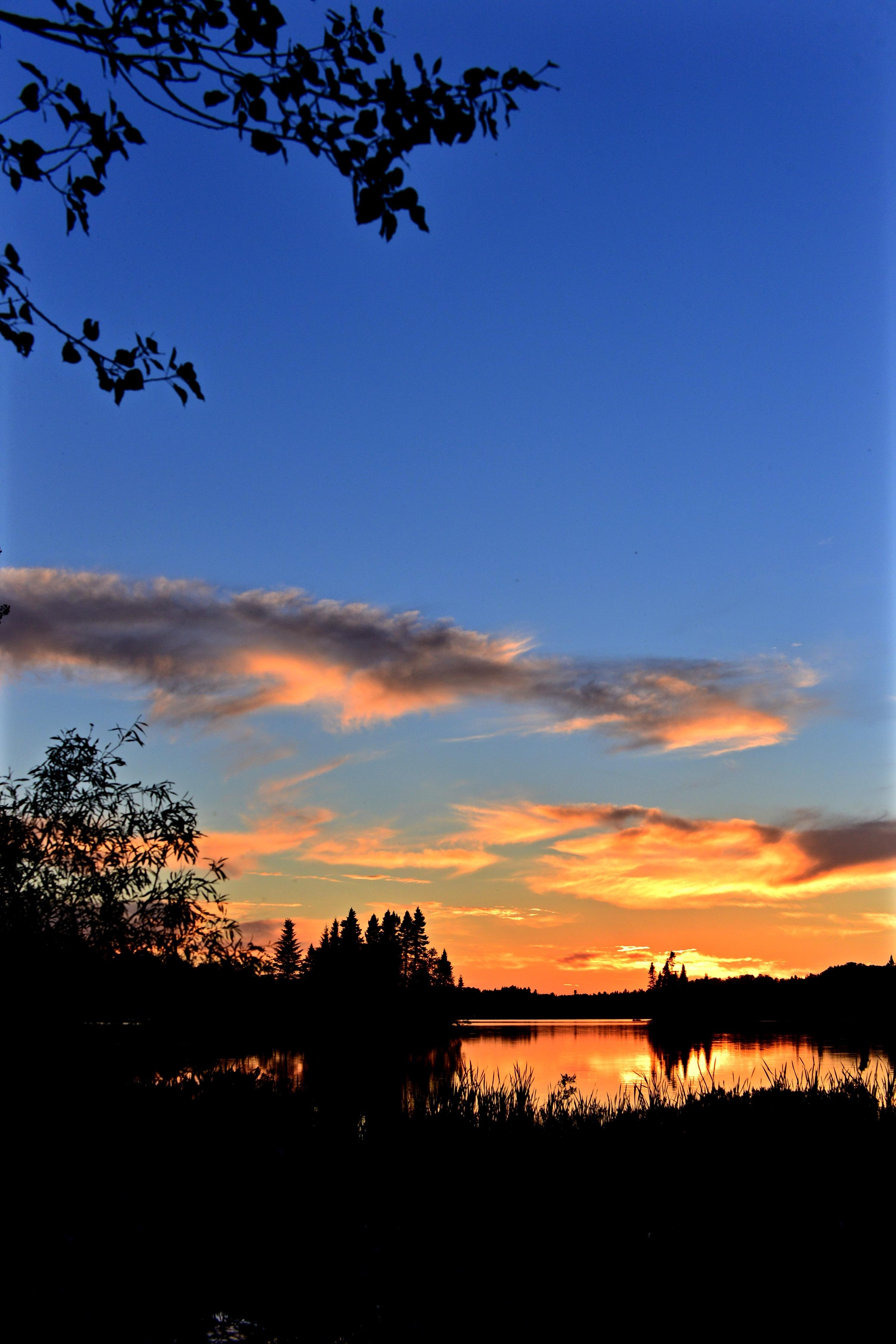 150910 download wallpaper Landscape, Sunset, Twilight, Lake, Dark, Dusk screensavers and pictures for free