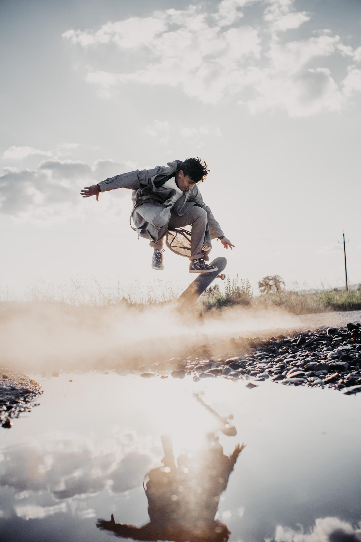 101710 скачать обои Разное, Скейтборд, Скейтбордист, Прыжок, Отражение, Дым - заставки и картинки бесплатно