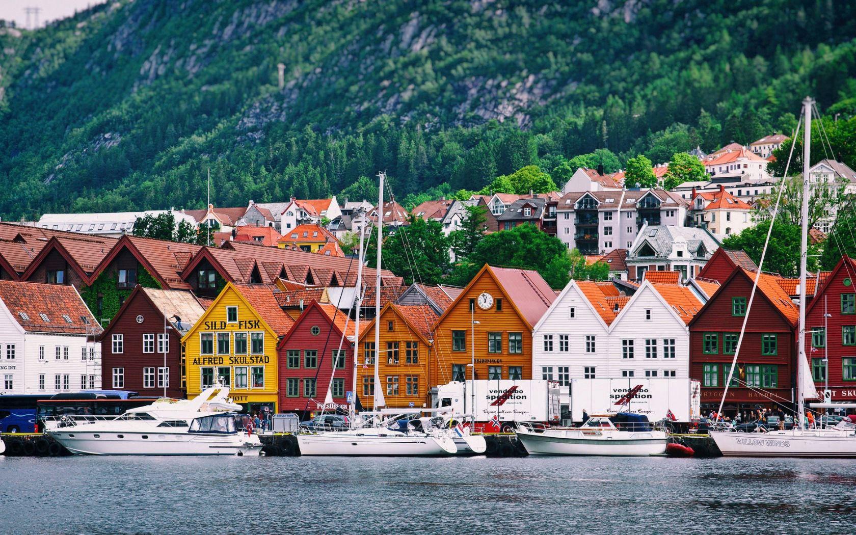 126787 скачать обои Яхты, Города, Дома, Горы, Море, Норвегия - заставки и картинки бесплатно