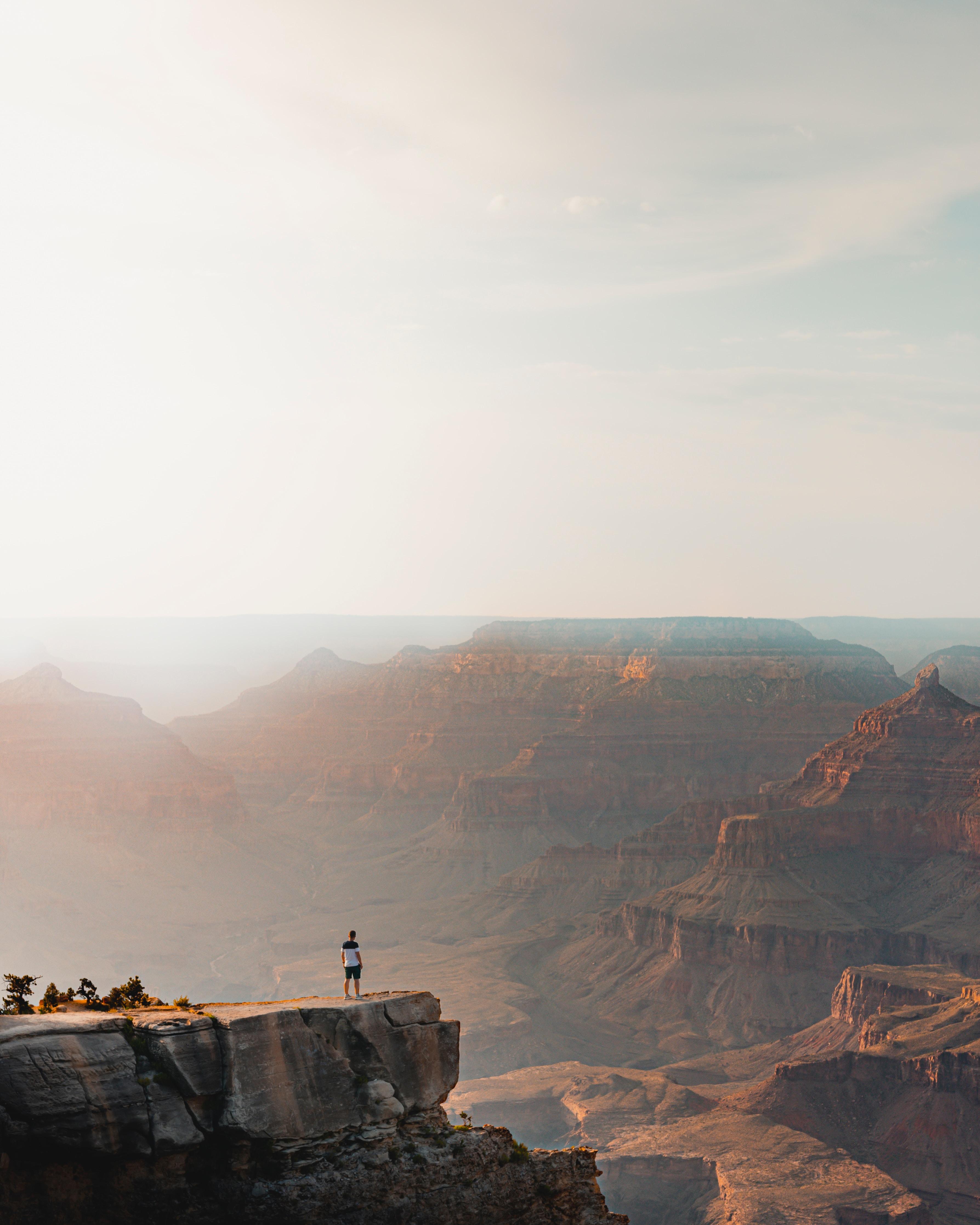 67848 fond d'écran 720x1520 sur votre téléphone gratuitement, téléchargez des images Nature, Montagnes, Rocheux, Rocher, Se Rompre, Précipice, Hauteur, Humain, Personne 720x1520 sur votre mobile