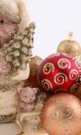 106380 descargar fondo de pantalla Vacaciones, Decoraciones De Navidad, Juguetes De Árbol De Navidad, Pelotas, Bolas, Soportar, Oso, Navidad, Día Festivo, Lentejuelas, Oropel: protectores de pantalla e imágenes gratis