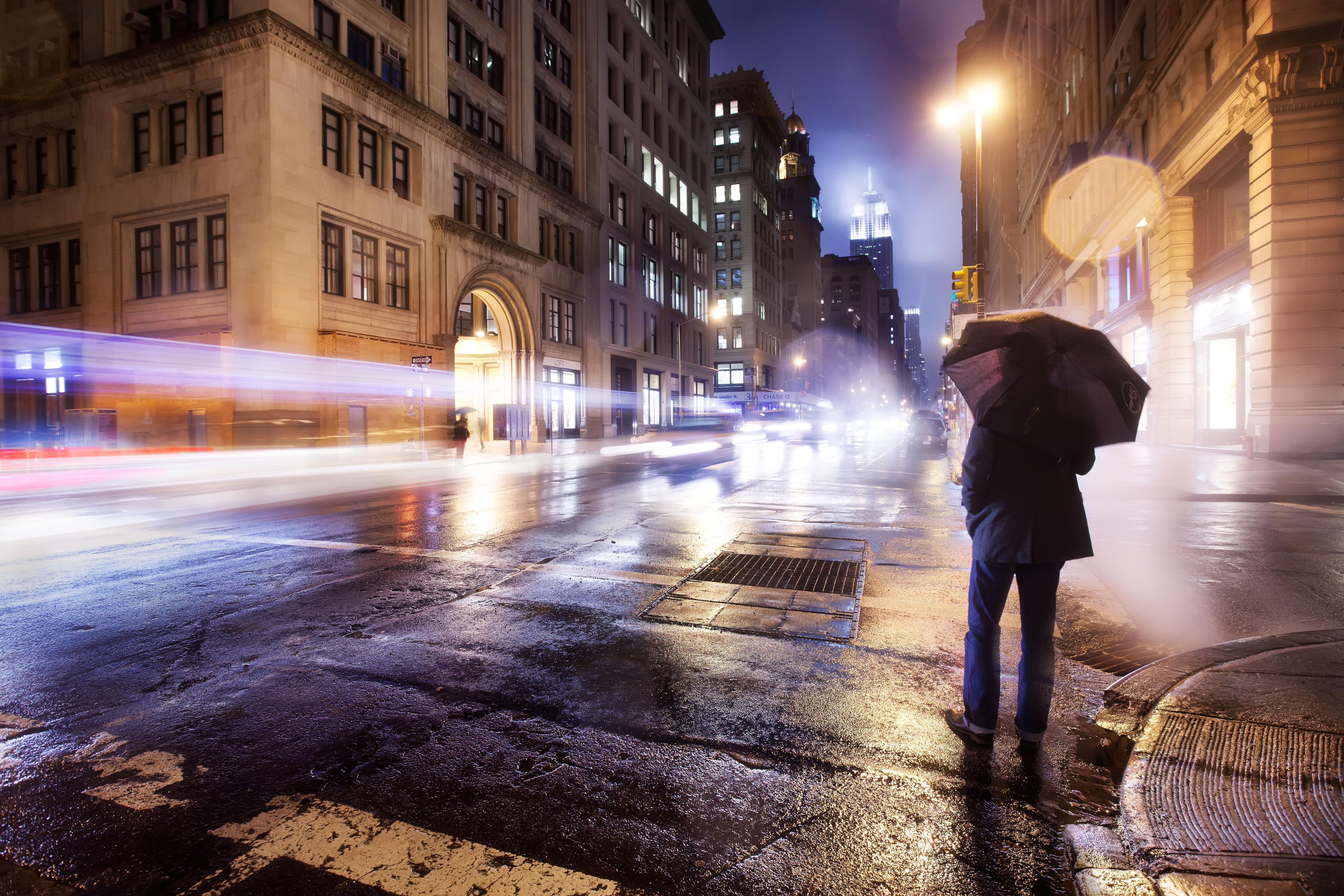 51926壁紙のダウンロードその他, 雑, 市, 都市, ナイト, 主に曇り, どんよりした, 孤独, 寂しさ, おとこ, 男, 傘-スクリーンセーバーと写真を無料で