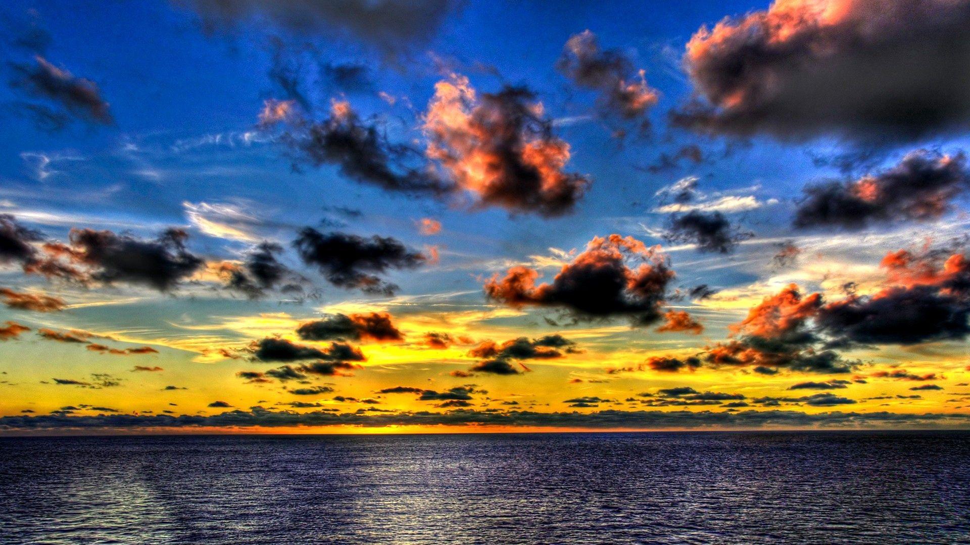 151324 завантажити Жовтий шпалери на телефон безкоштовно, Природа, Небо, Море, Хмари, Синій, Кольору, Колір, Вечір, Тіні Жовтий картинки і заставки на мобільний