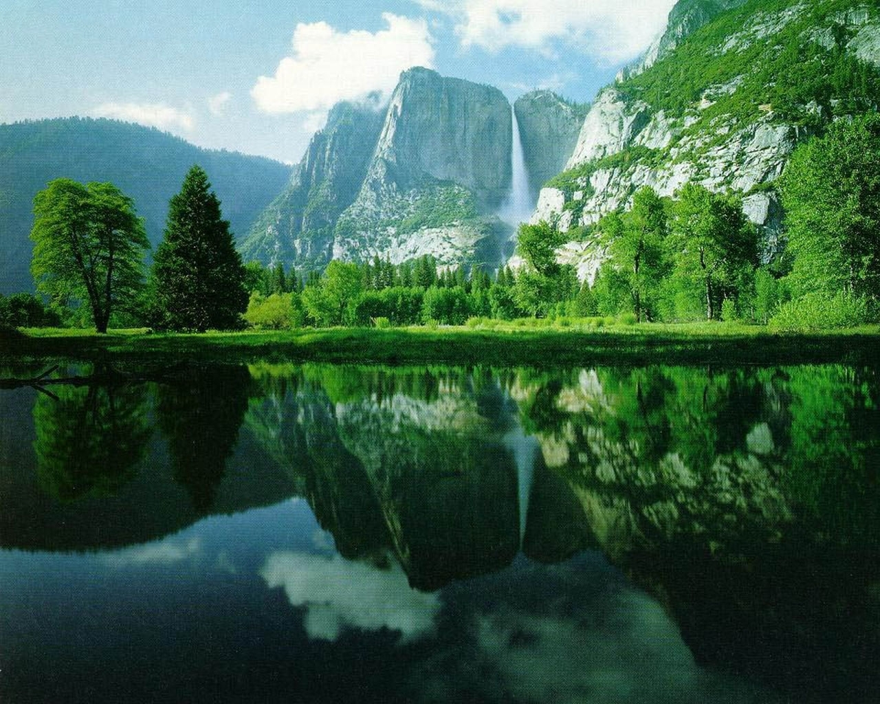 5184 download wallpaper Landscape, Water, Trees, Lakes screensavers and pictures for free