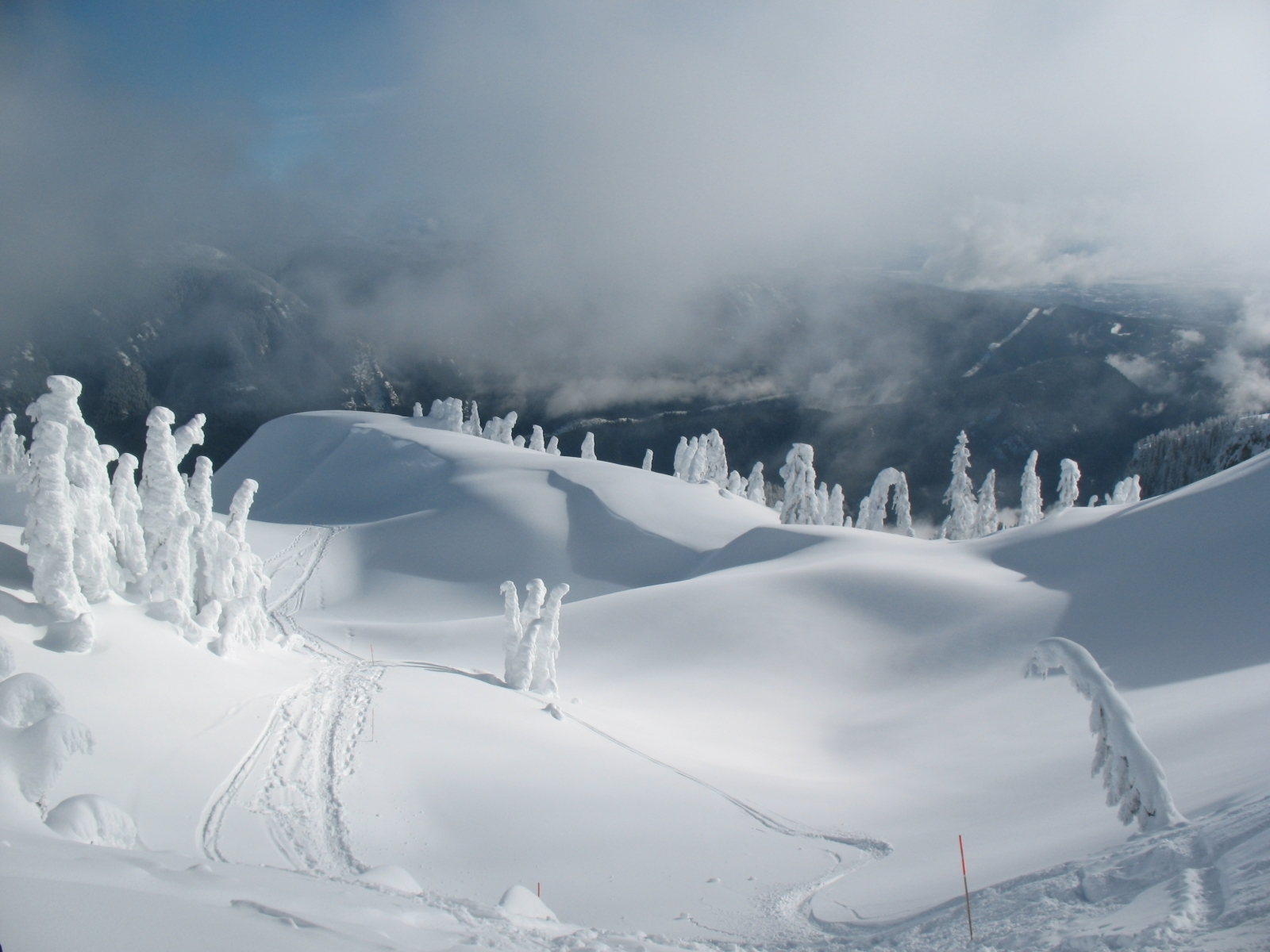 1026 download wallpaper Landscape, Winter, Snow screensavers and pictures for free
