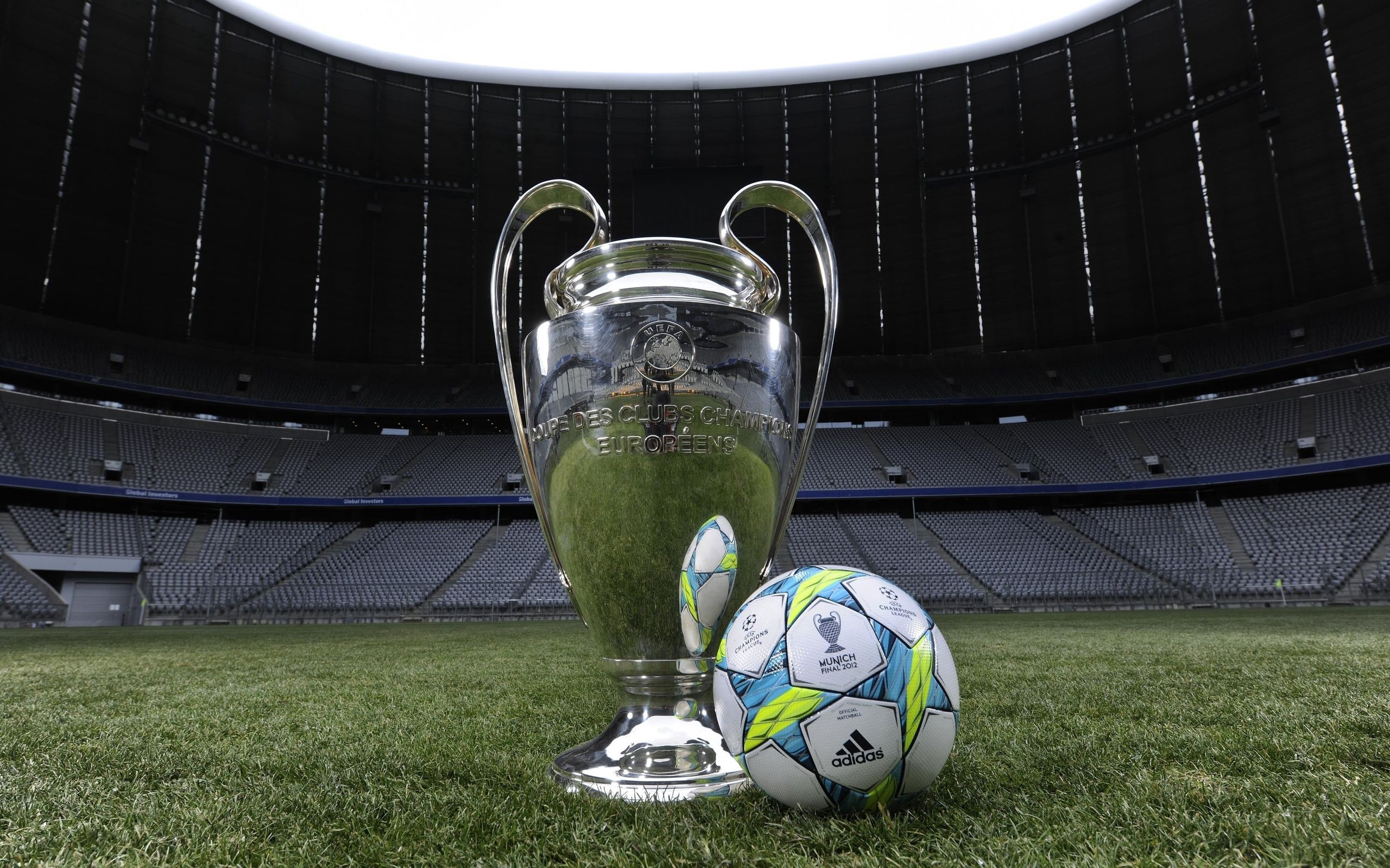 90286 download wallpaper Football, Sports, Ball, Munich, Alliance Arena screensavers and pictures for free