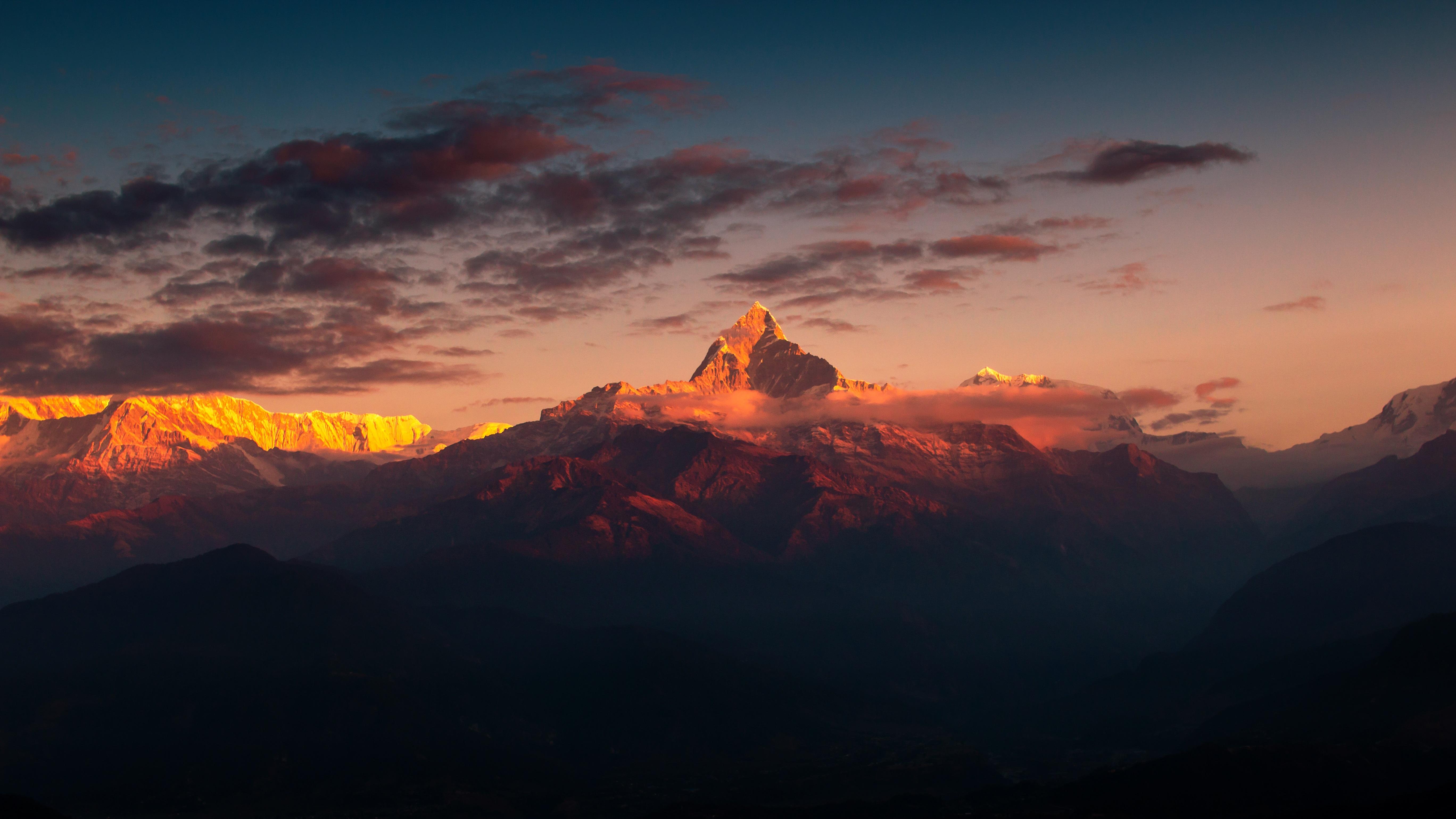 60873 Hintergrundbild 1024x768 kostenlos auf deinem Handy, lade Bilder Natur, Sky, Mountains, Clouds, Scheitel, Nach Oben, Himalaya 1024x768 auf dein Handy herunter