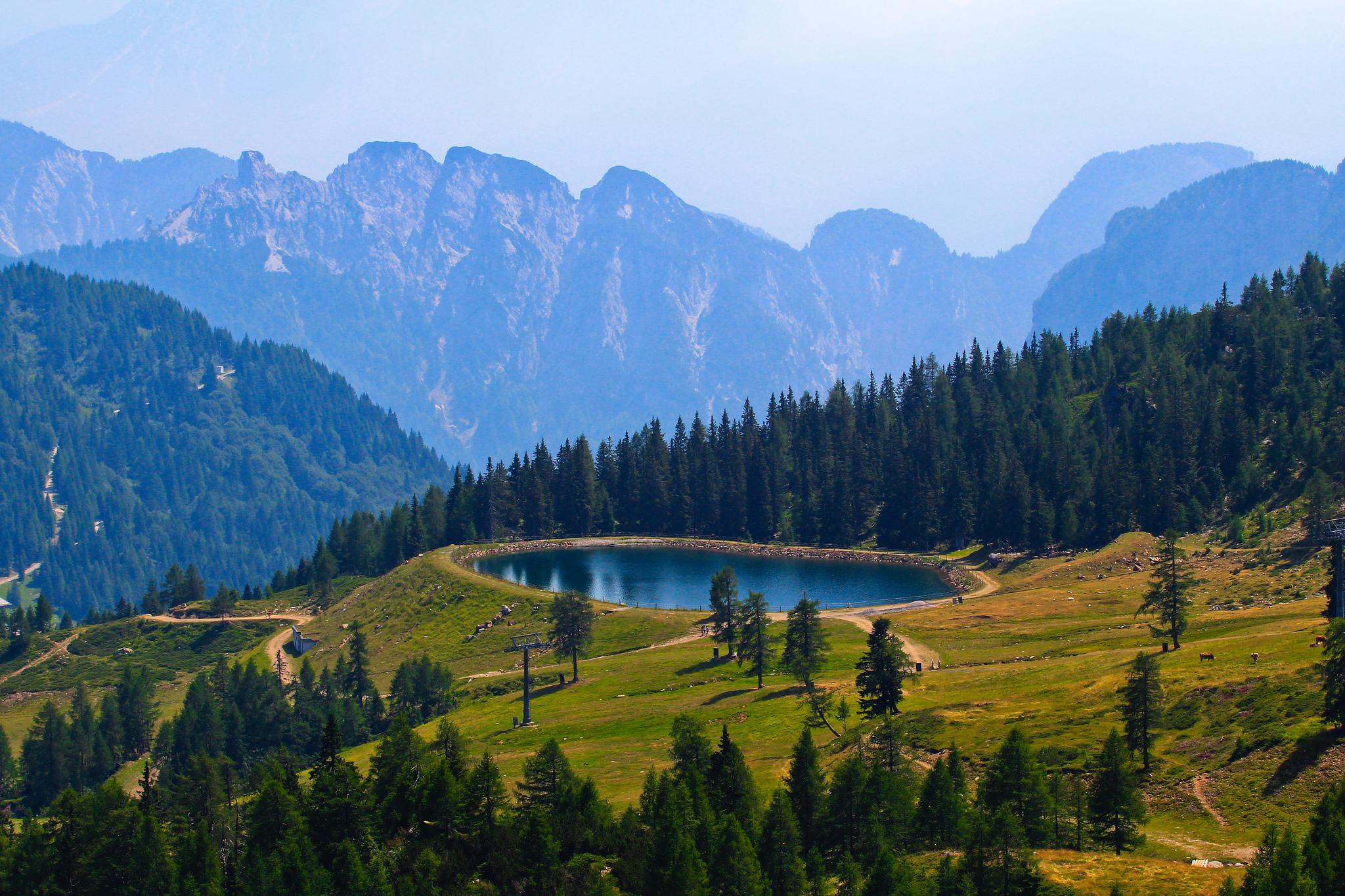 126387 免費下載壁紙 性质, 湖, 湖景, 天空, 树, 山 屏保和圖片