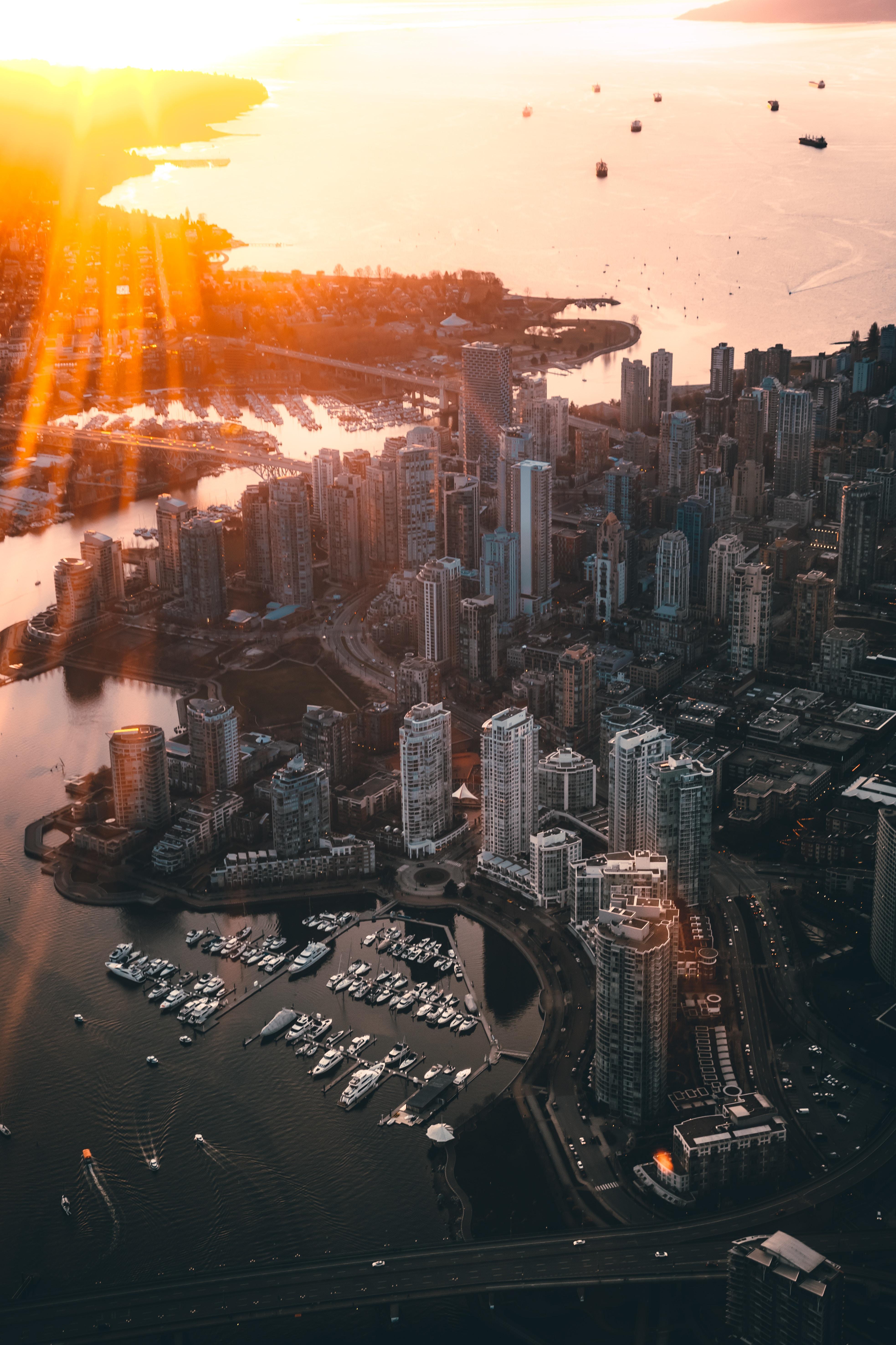 83994壁紙のダウンロード市, 都市, 上から見る, 日光, ビーム, 光線, バンクーバー, カナダ, アーキテクチャ-スクリーンセーバーと写真を無料で