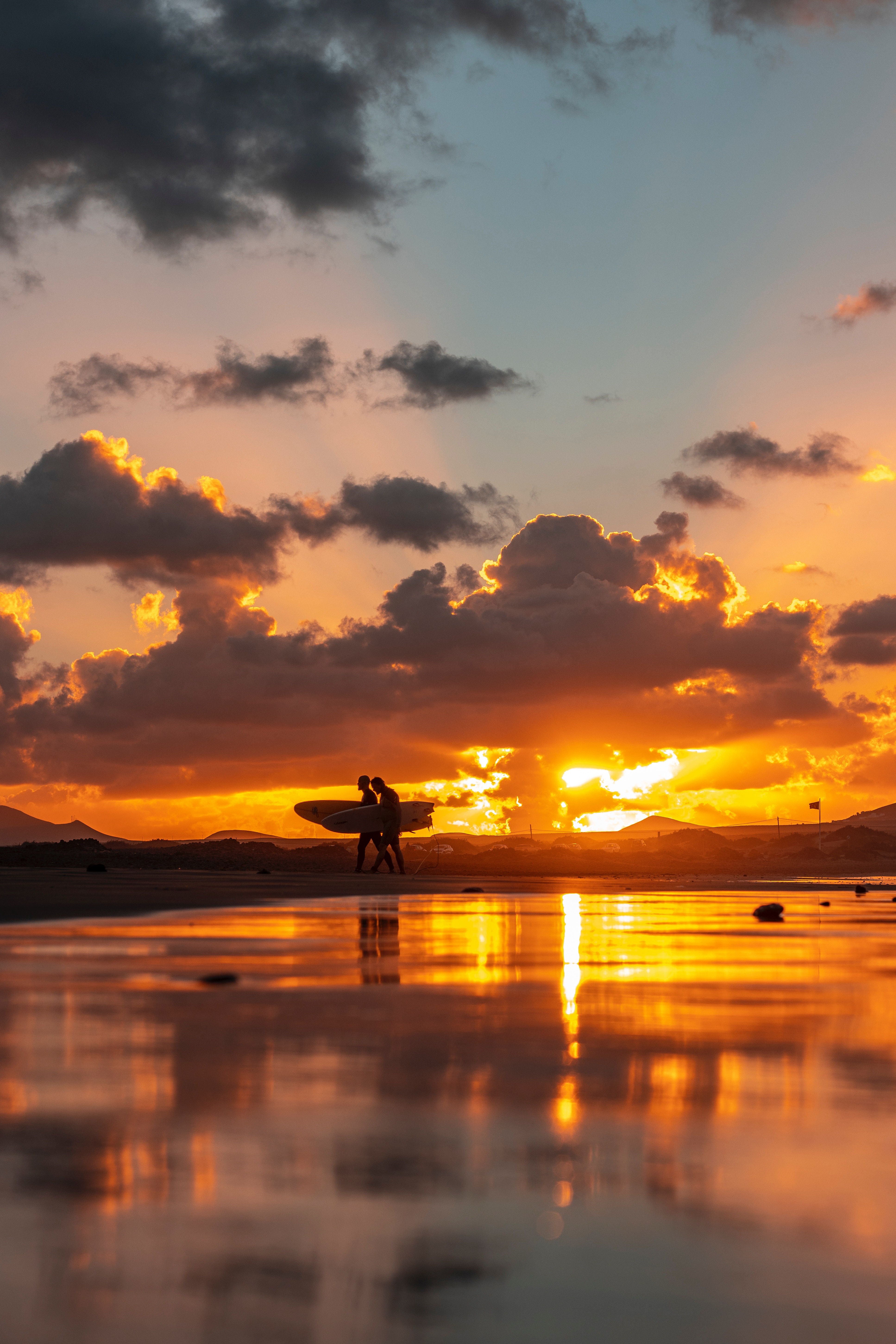 90746 download wallpaper Nature, Ocean, Silhouettes, Serfing, Surfers, Sunset screensavers and pictures for free