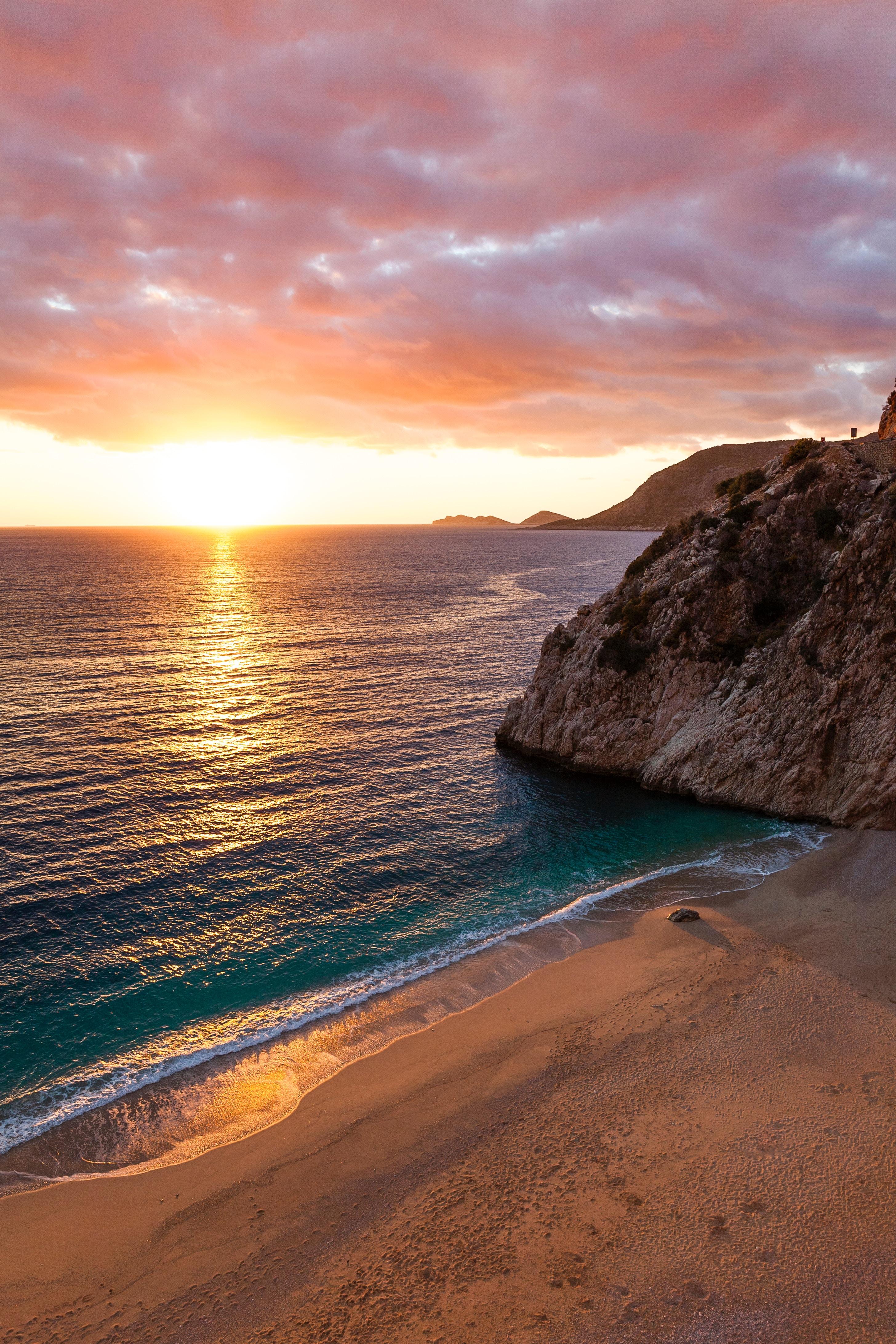 111037 papel de parede 720x1520 em seu telefone gratuitamente, baixe imagens Natureza, Pôr Do Sol, Mar, As Rochas, Rochas, Costa, Oceano 720x1520 em seu celular
