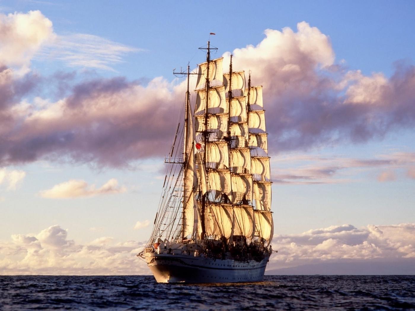 Скачать картинку Корабли, Пейзаж, Облака, Море, Небо, Транспорт в телефон бесплатно.