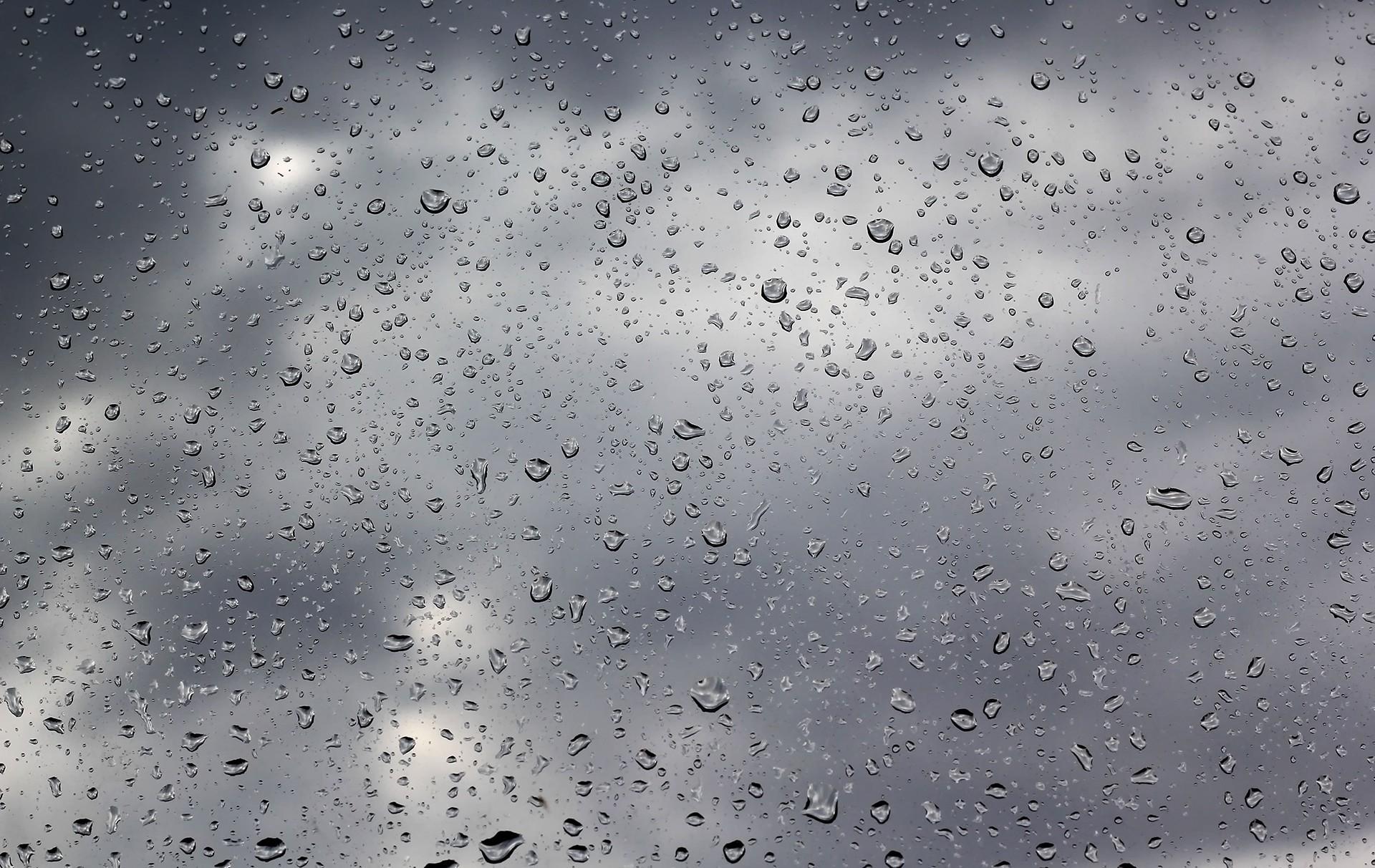 81093 скачать обои Текстуры, Вода, Дождь, Капли, Стекло, Пасмурно, Тучи - заставки и картинки бесплатно