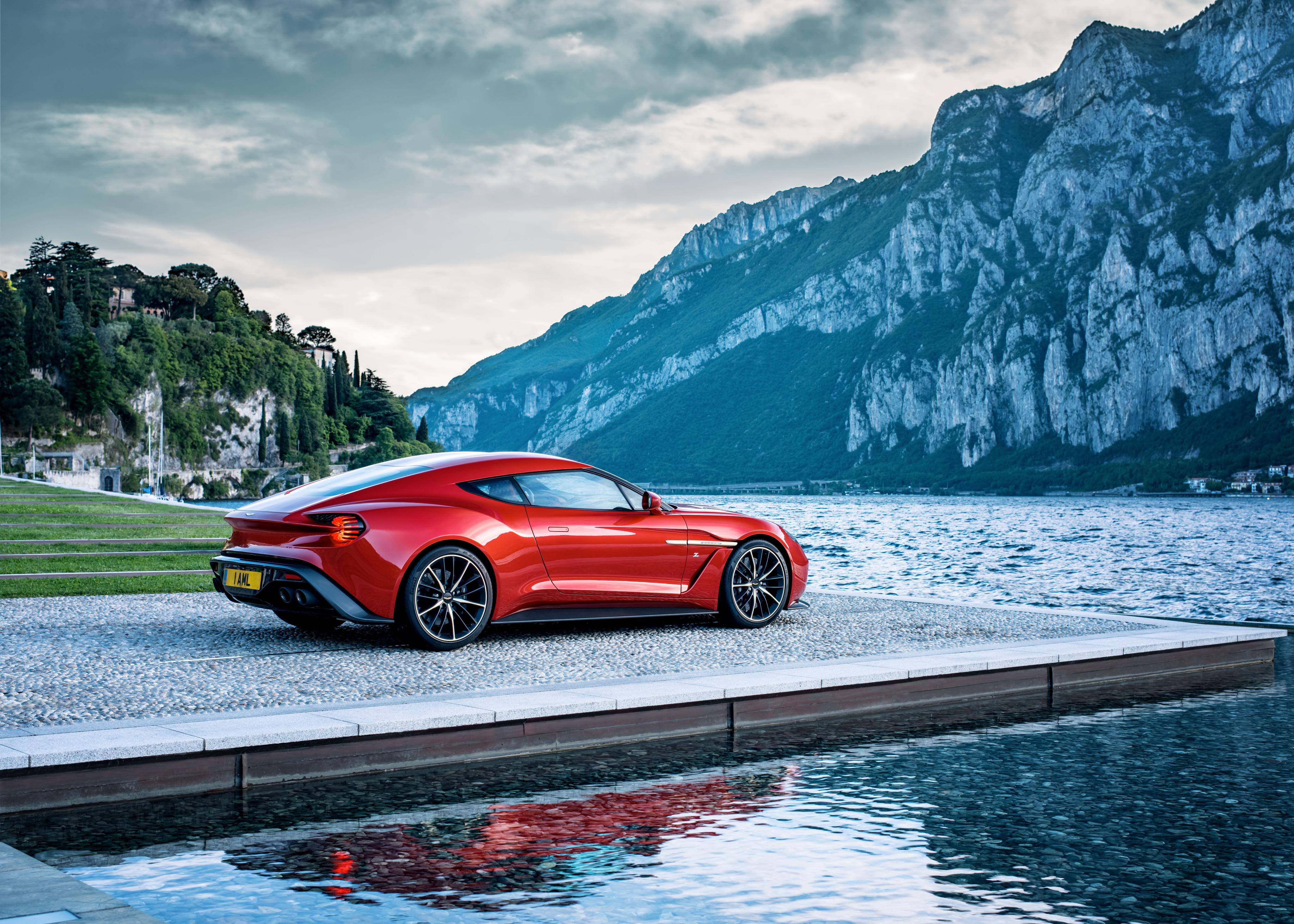 109691 скачать обои Астон Мартин (Aston Martin), Горы, Тачки (Cars), Озеро, Красный, Вид Сбоку, Vanquish - заставки и картинки бесплатно