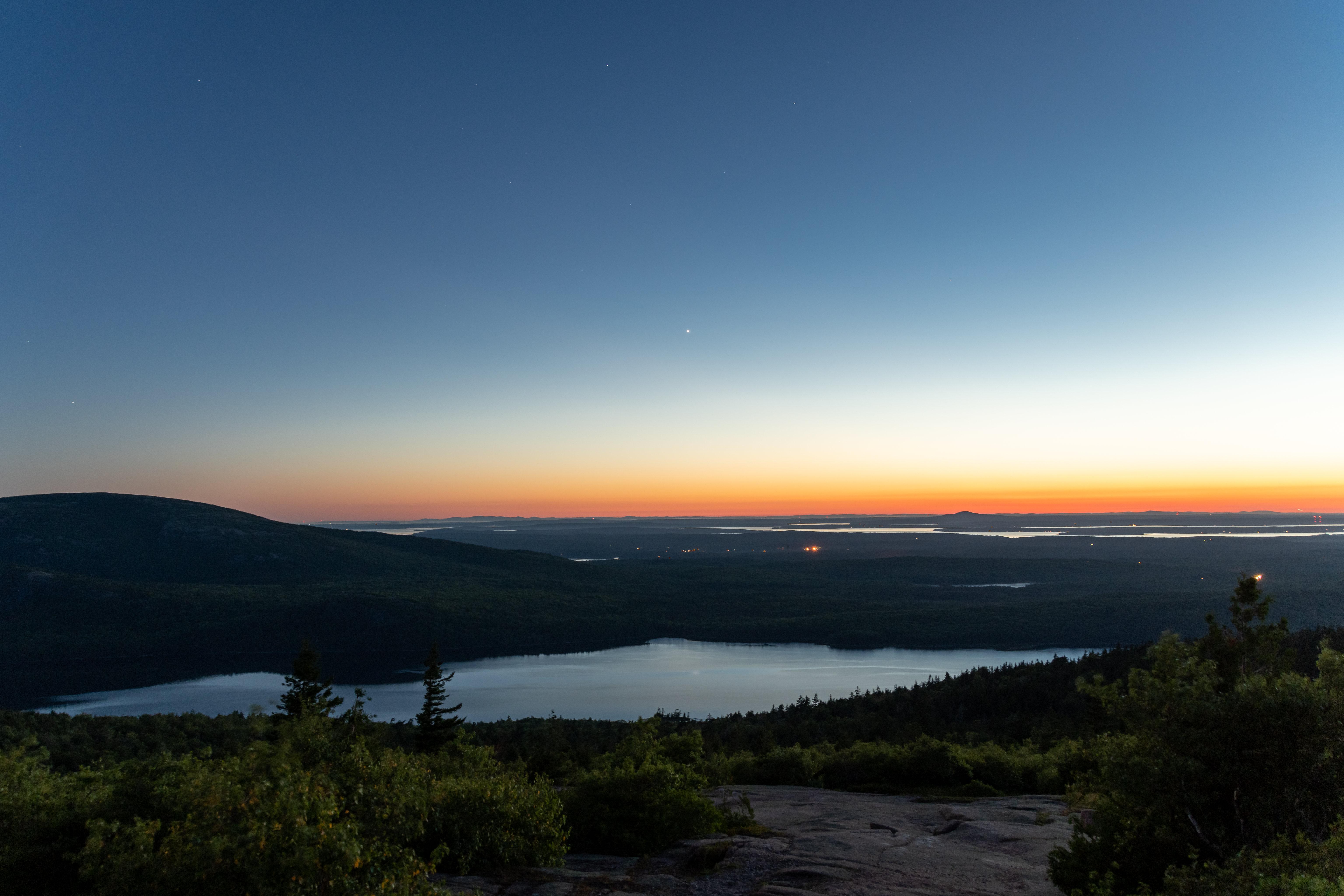 109722 Заставки и Обои Озеро на телефон. Скачать Вечер, Озеро, Природа, Сумерки, Холм картинки бесплатно