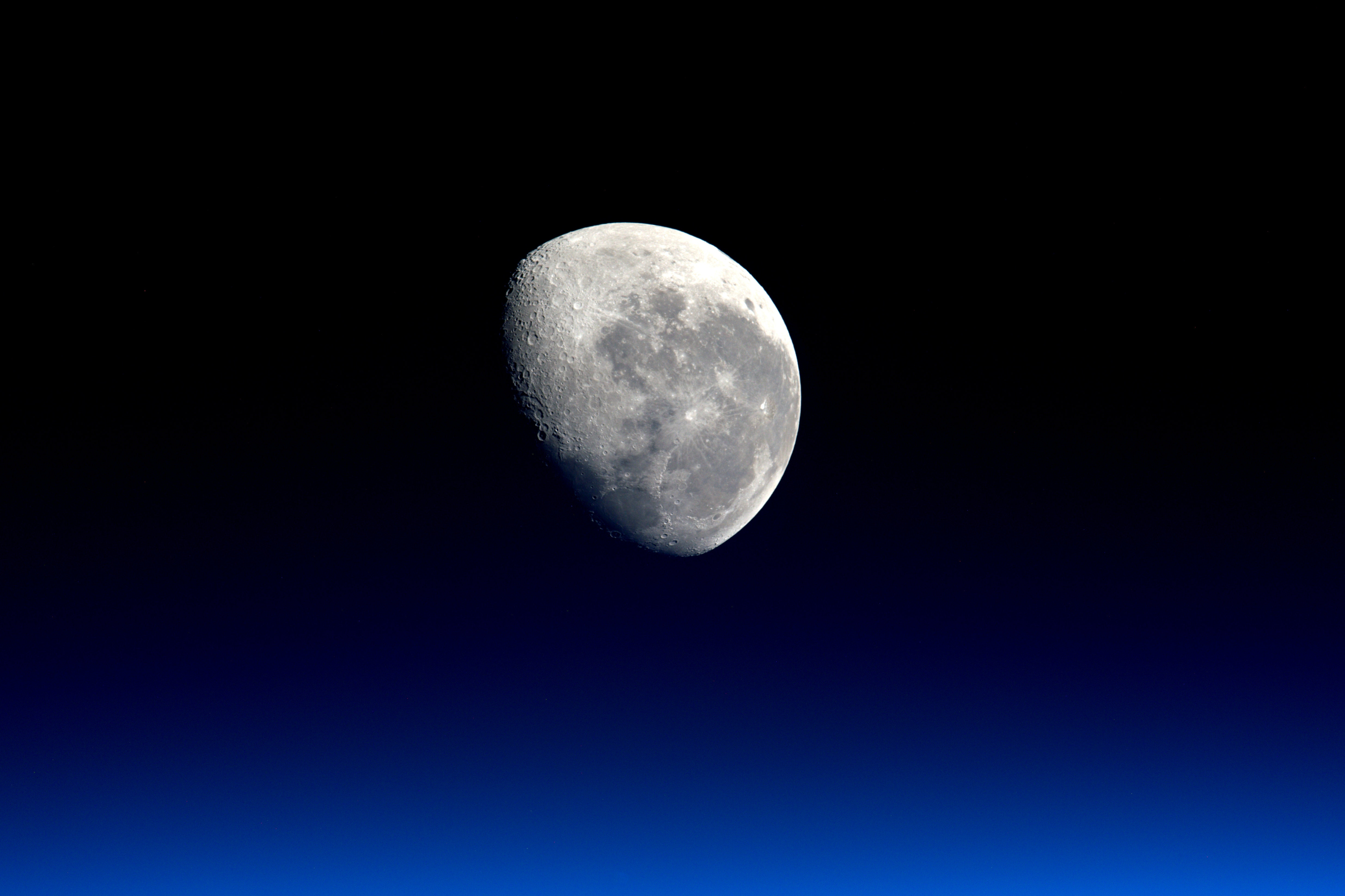 156003 скачать обои Луна, Космос, Небо, Ночь, Крупным Планом, Полнолуние - заставки и картинки бесплатно
