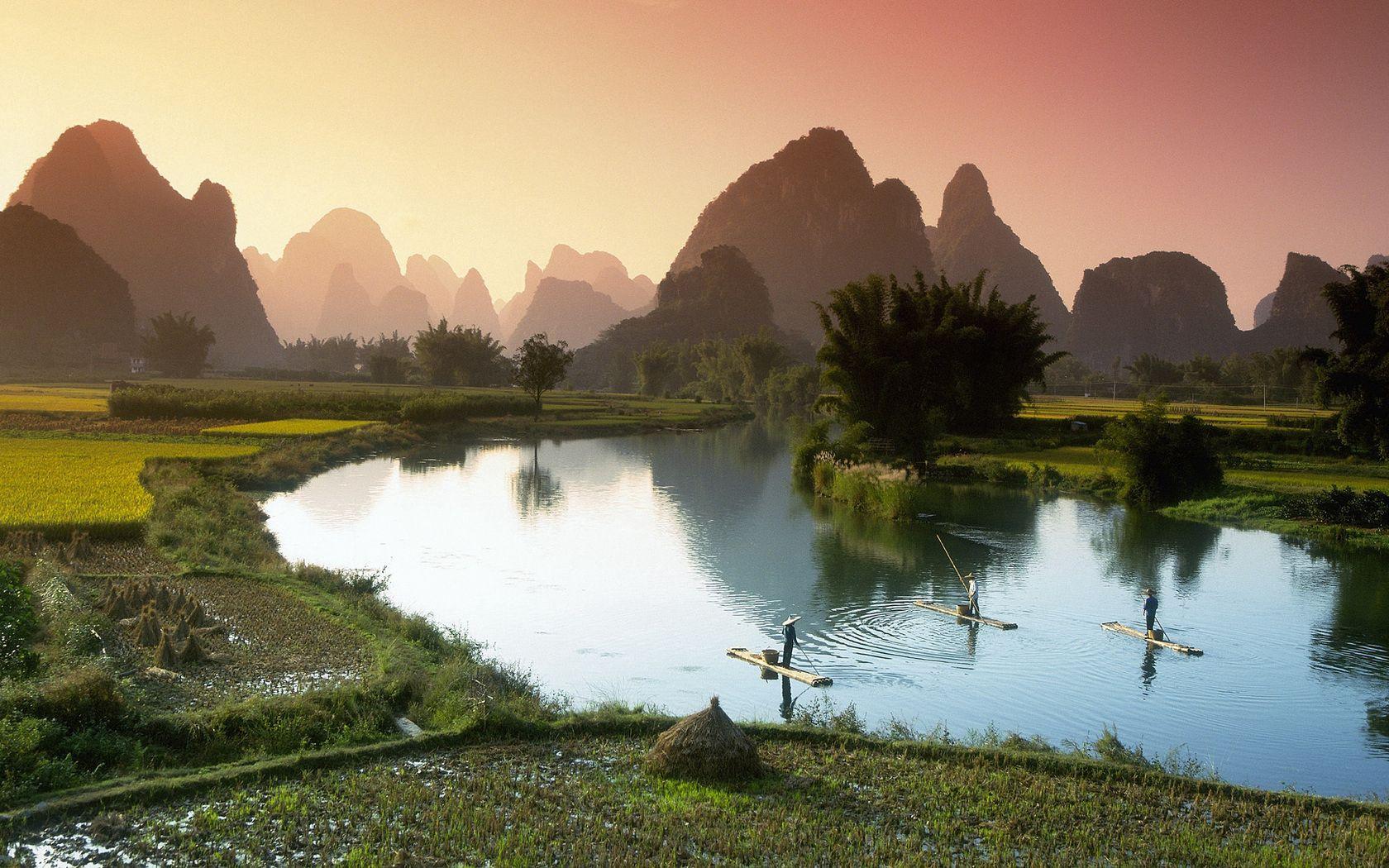 72857 скачать обои Природа, Вьетнам, Посевы, Поля, Рыбаки, Лодки, Туман, Утро - заставки и картинки бесплатно