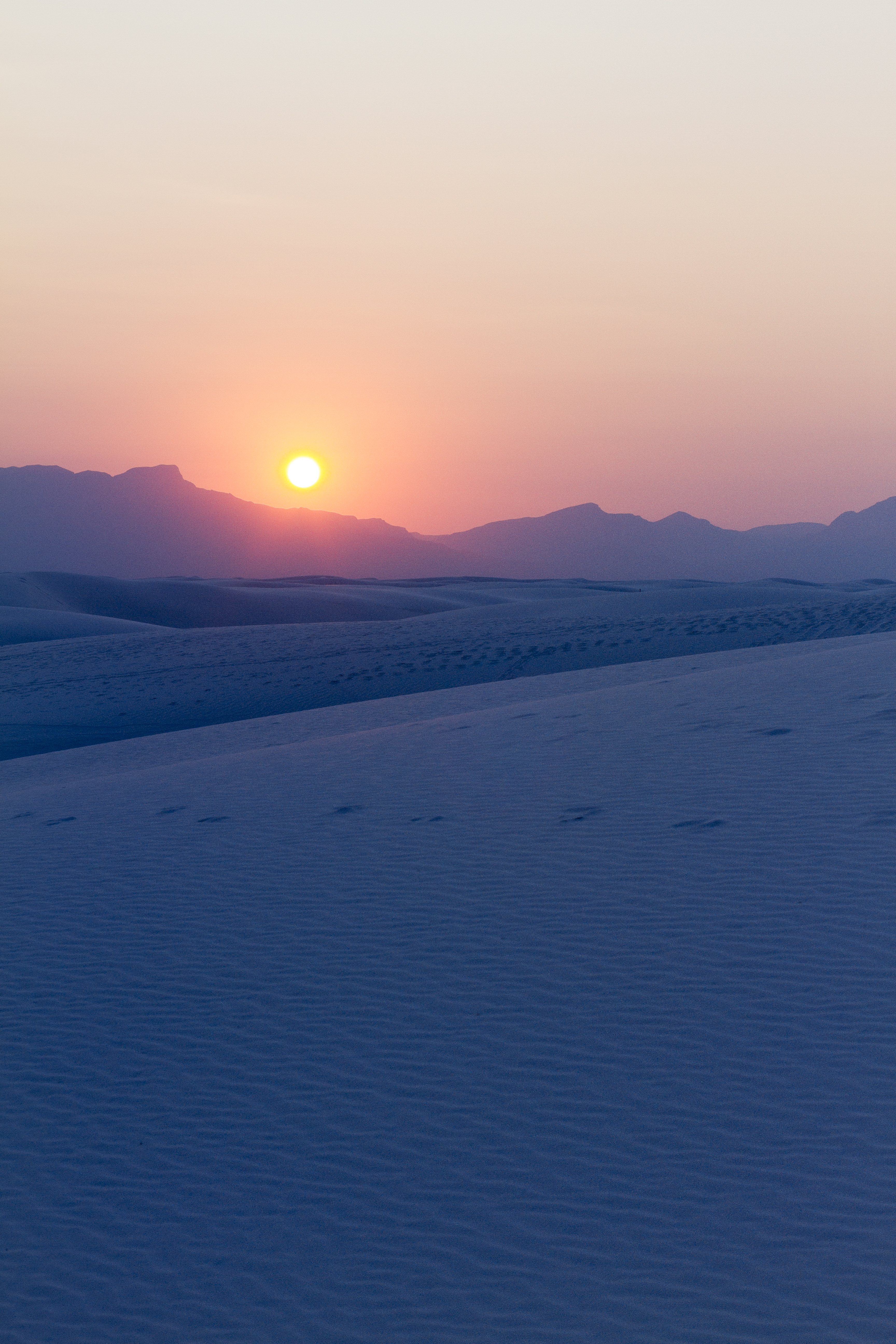 55098 download wallpaper Nature, Snow, Sunset, Dusk, Twilight, Winter, Mountains screensavers and pictures for free
