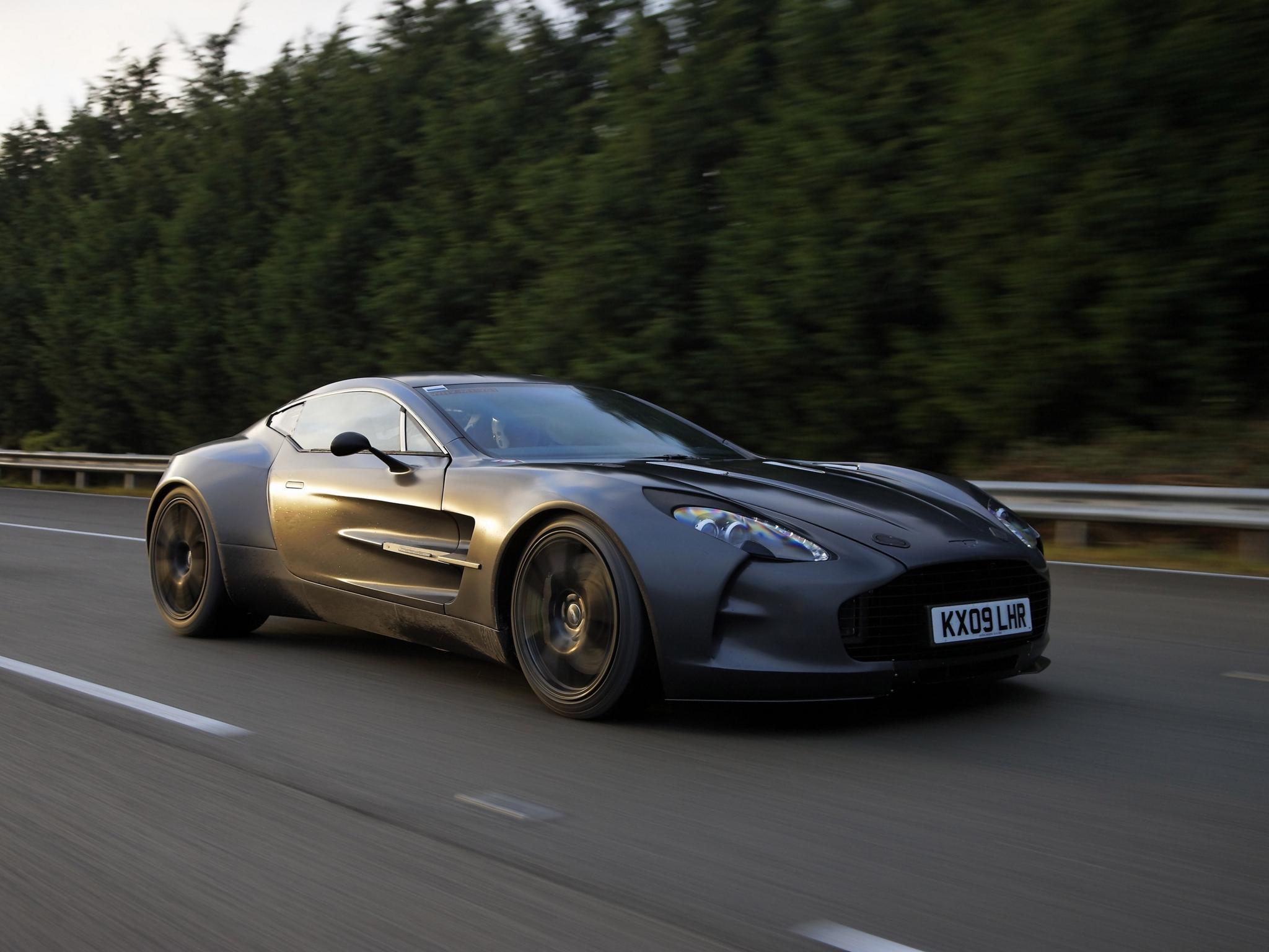 87868 télécharger le fond d'écran Voitures, Aston Martin, Un-77, Prototype De Voiture, Concept-Car, 2009, Le Noir, Vue De Côté, Sport, Arbres - économiseurs d'écran et images gratuitement