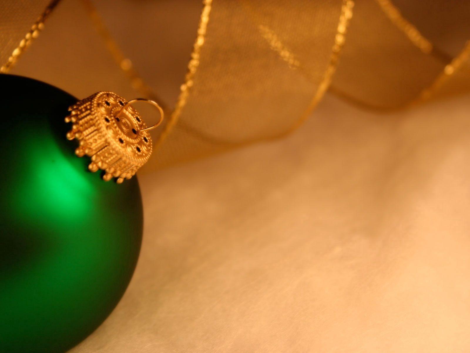 137729 скачать обои Праздники, Новый Год, Рождество, Шар, Игрушка, Зеленый - заставки и картинки бесплатно