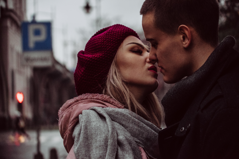 93518 скачать обои Поцелуй, Любовь, Пара, Романтика, Нежность - заставки и картинки бесплатно