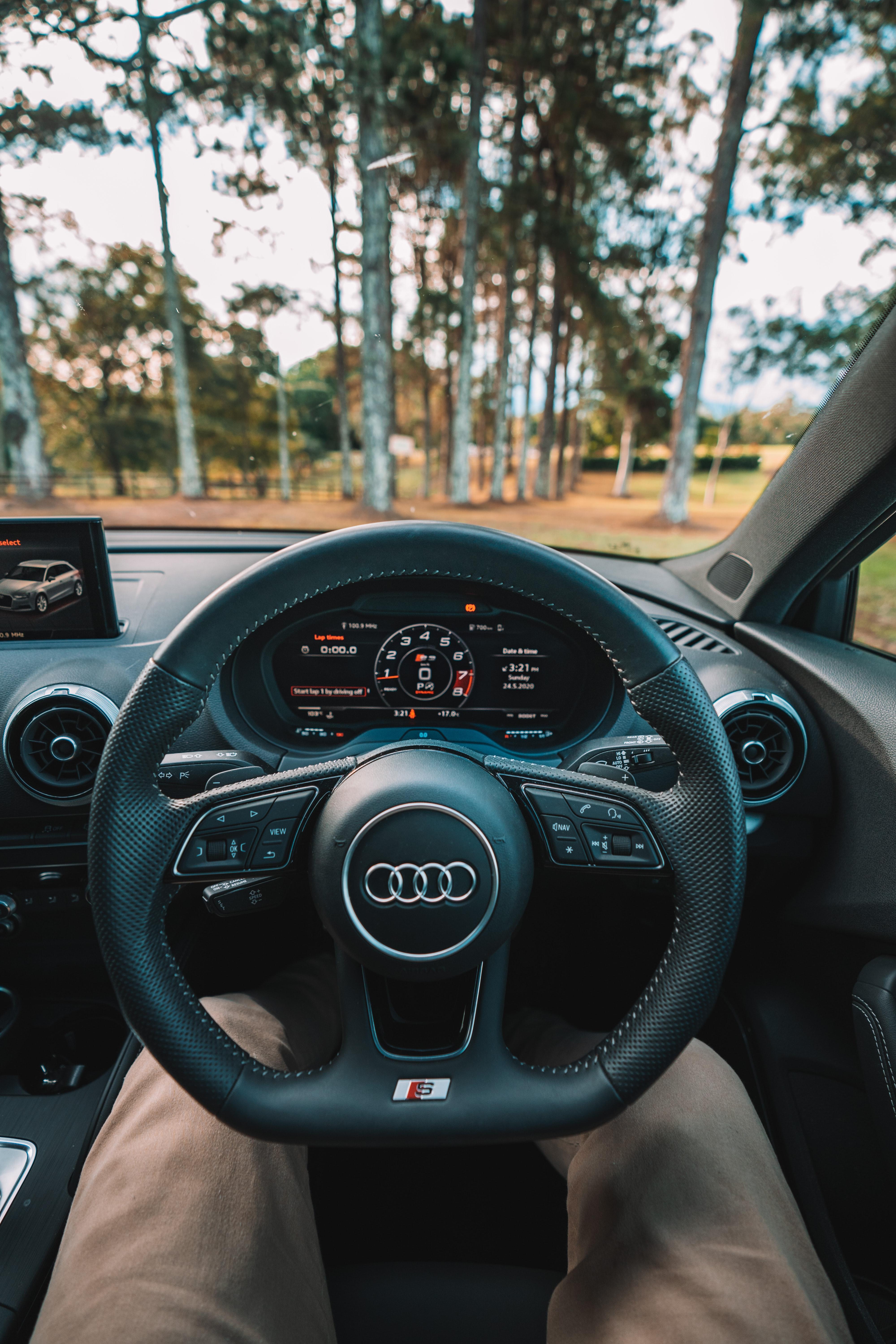 111094 Заставки и Обои Ауди (Audi) на телефон. Скачать Ауди (Audi), Тачки (Cars), Ноги, Руль, Салон, Спидометр картинки бесплатно