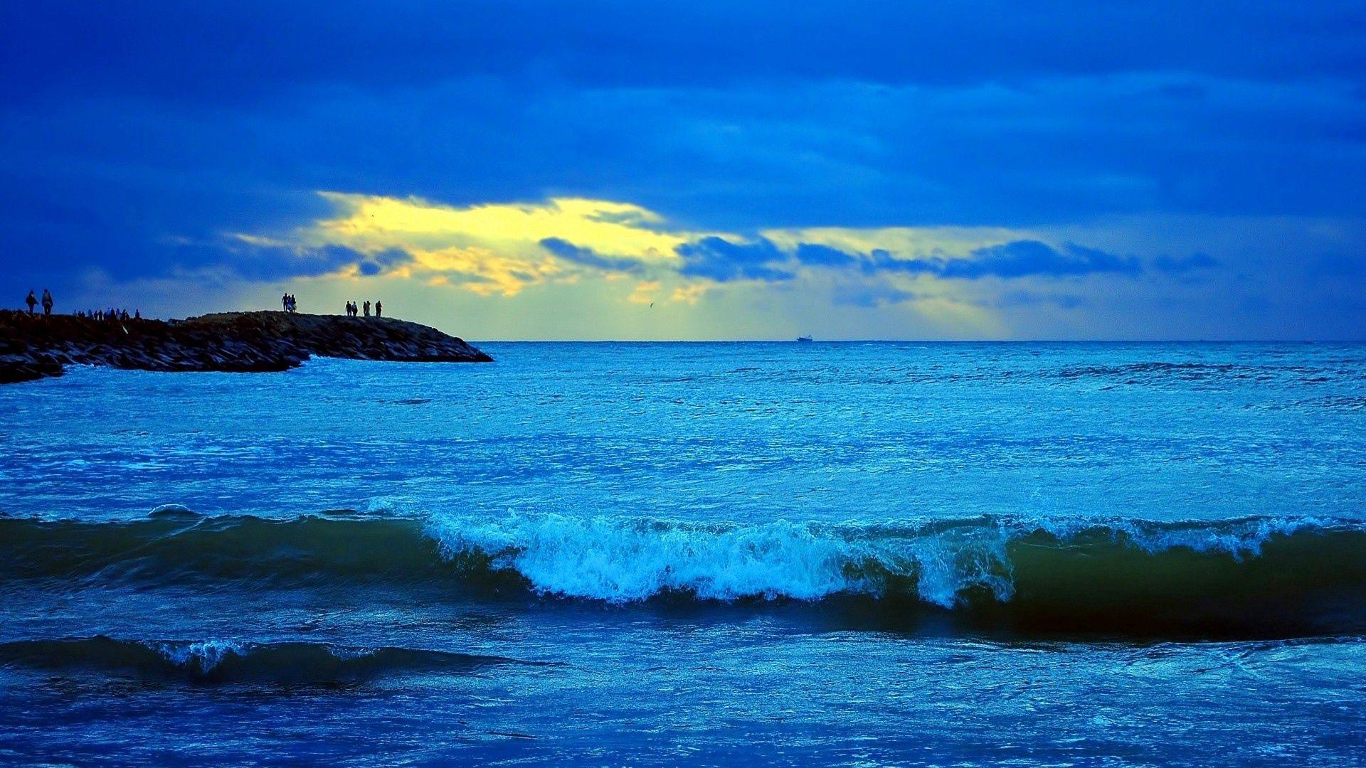 119455 завантажити шпалери Природа, Небо, Море, Хмари, Прибій, Пошуку - заставки і картинки безкоштовно