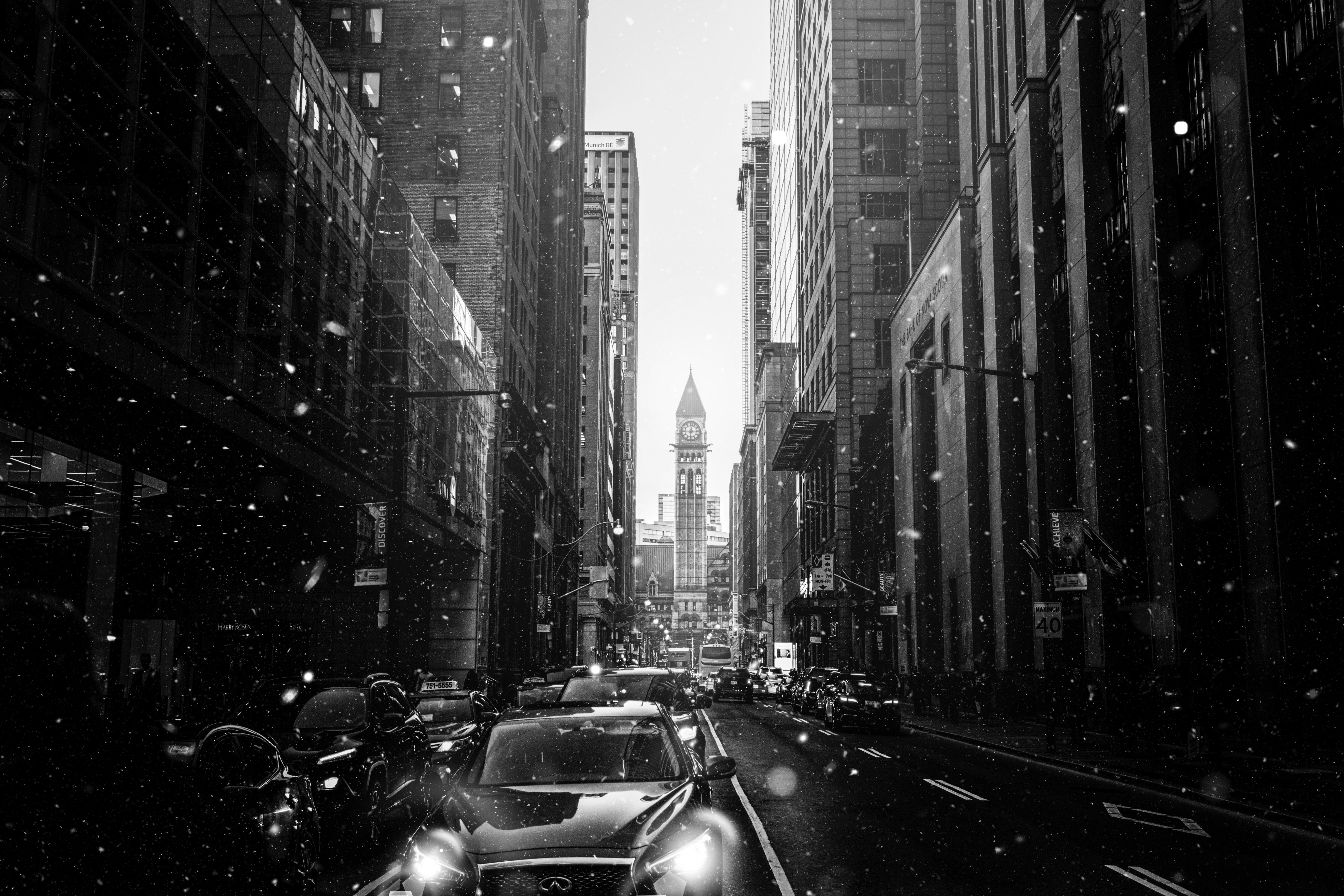 100095 скачать обои Город, Улица, Чб, Снегопад, Снег, Города, Машины - заставки и картинки бесплатно