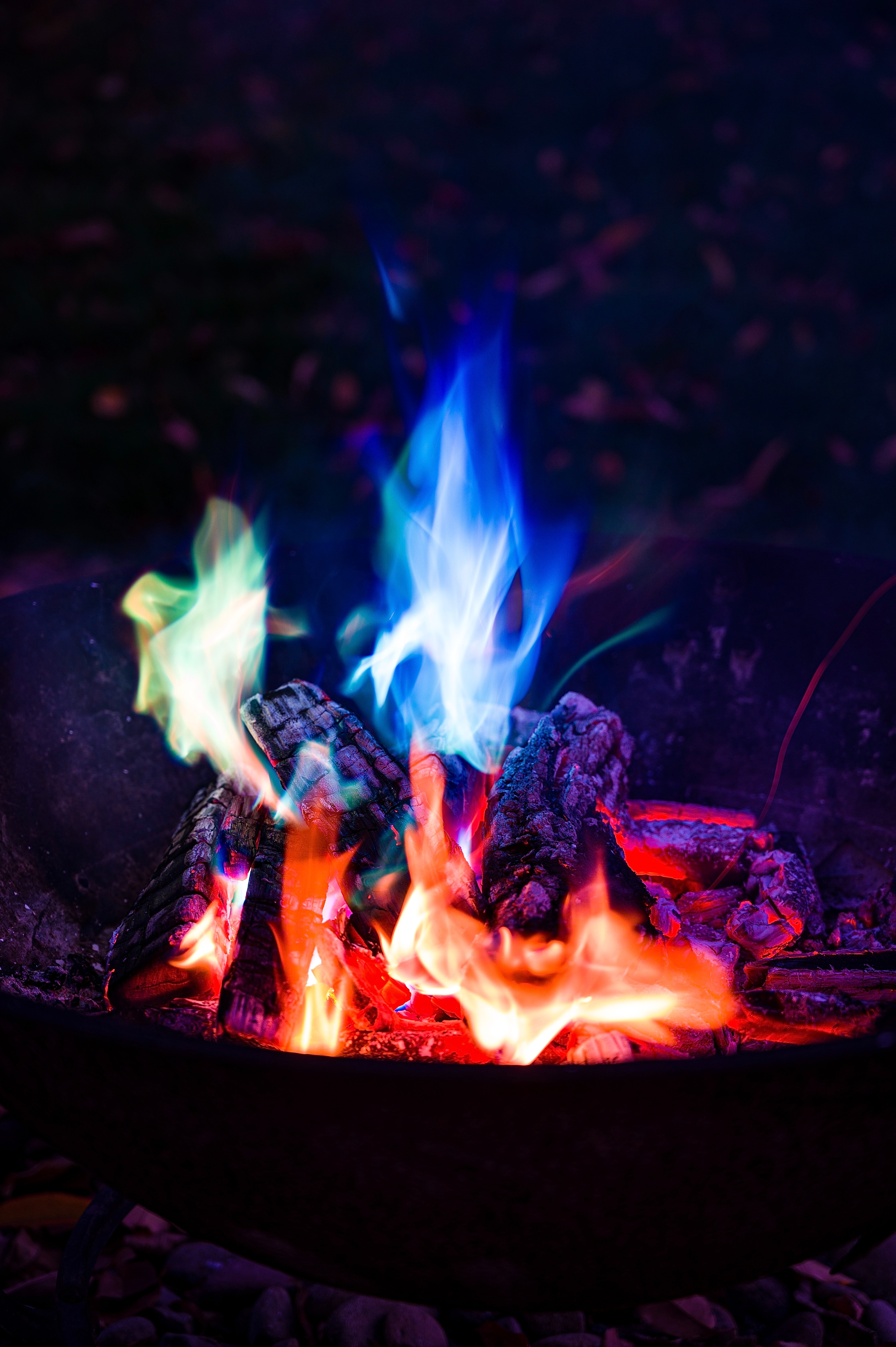 81050 Screensavers and Wallpapers Bonfire for phone. Download Fire, Bonfire, Night, Dark, Flame, Camping, Campsite pictures for free